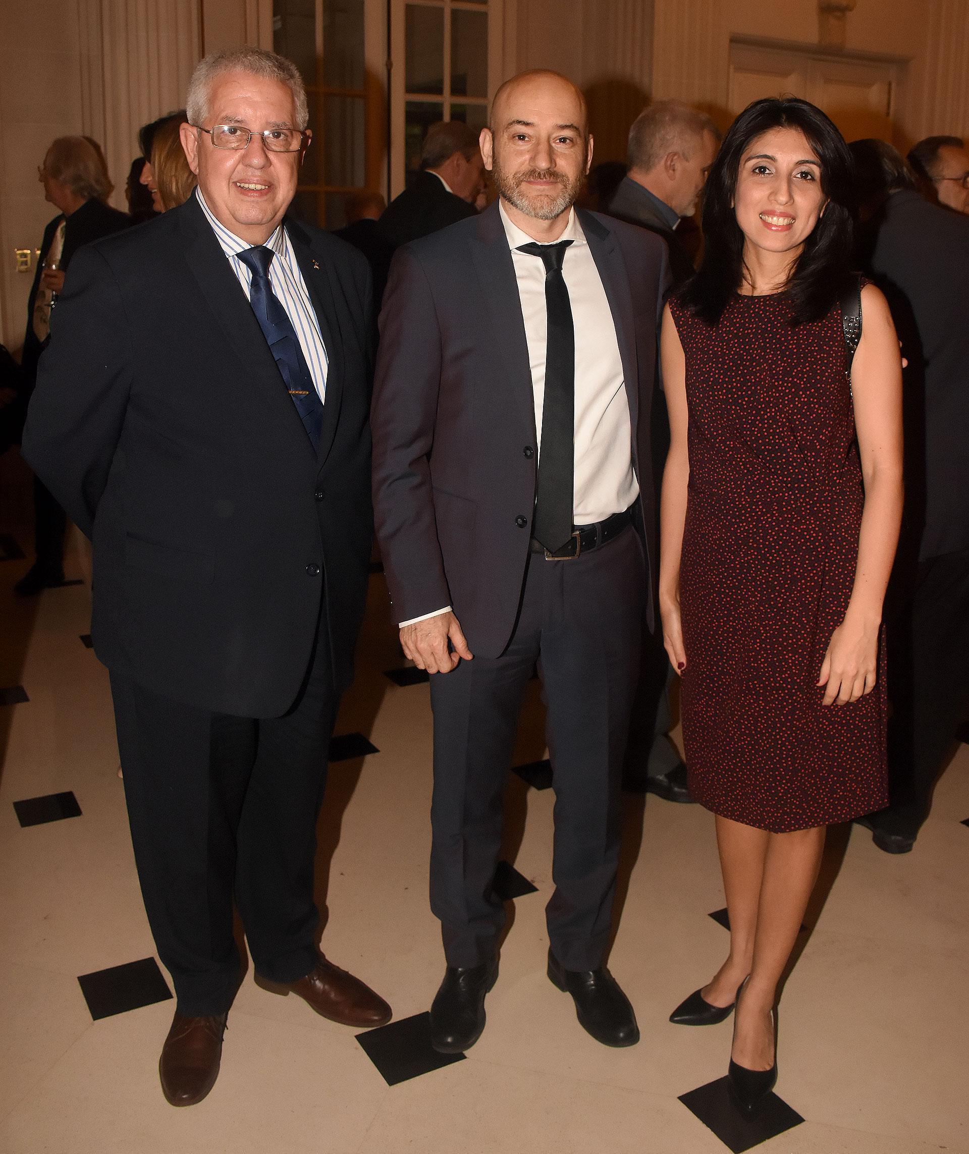 Hector Tito Garabal, Juan Manuel Beati, Director General de Música del Gobierno y de la Ciudad de Buenos Aires, y la periodista y escritora Cintia Daniela Suárez