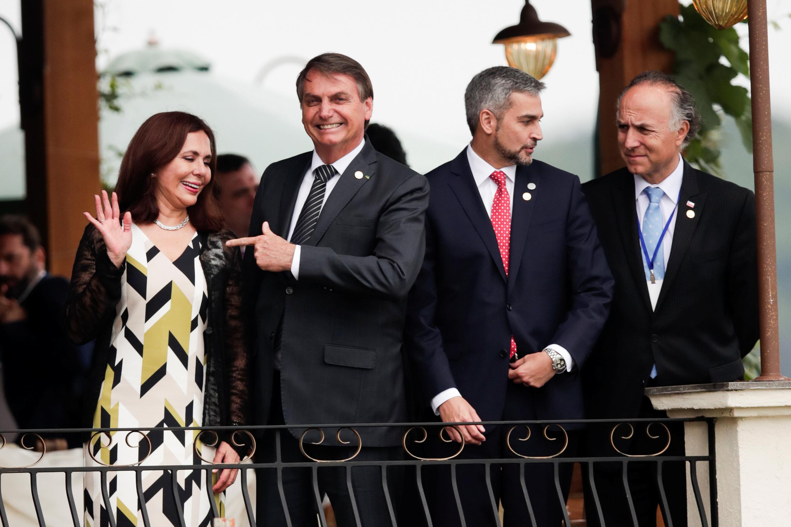 Jair Bolsonaro junto a la ministra del Exterior de Bolivia Karen Longaric, Mario Abdo y el ministro del Exterior de Chile Teodoro Ribera