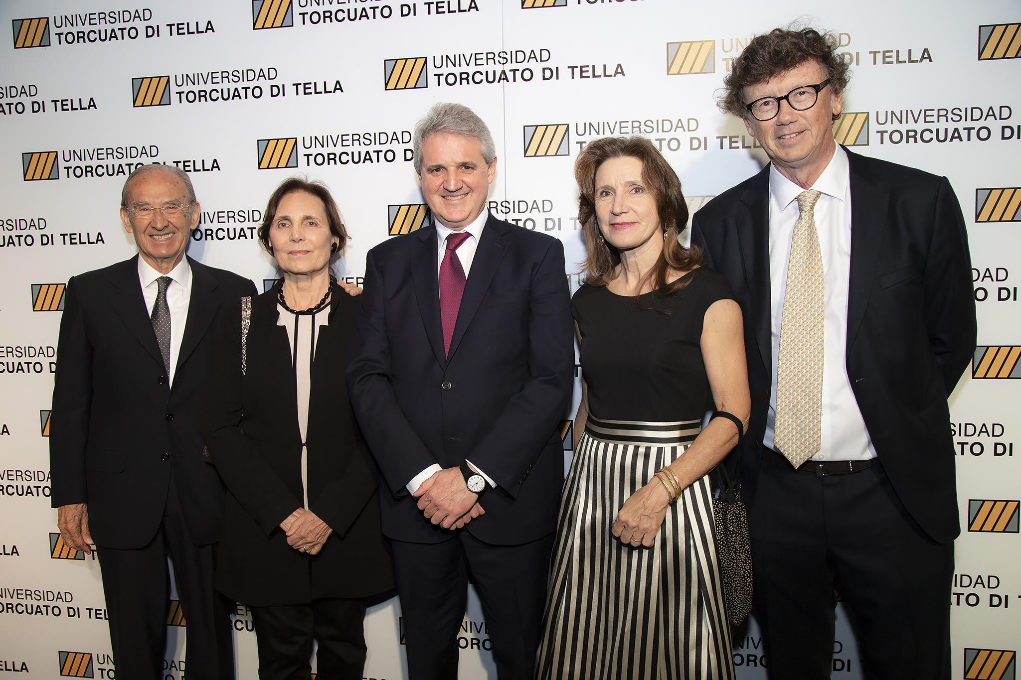 Nicolás Catena y su mujer, Elena Maza, junto a Juan José Cruces, Guillermo Viegener y su mujer