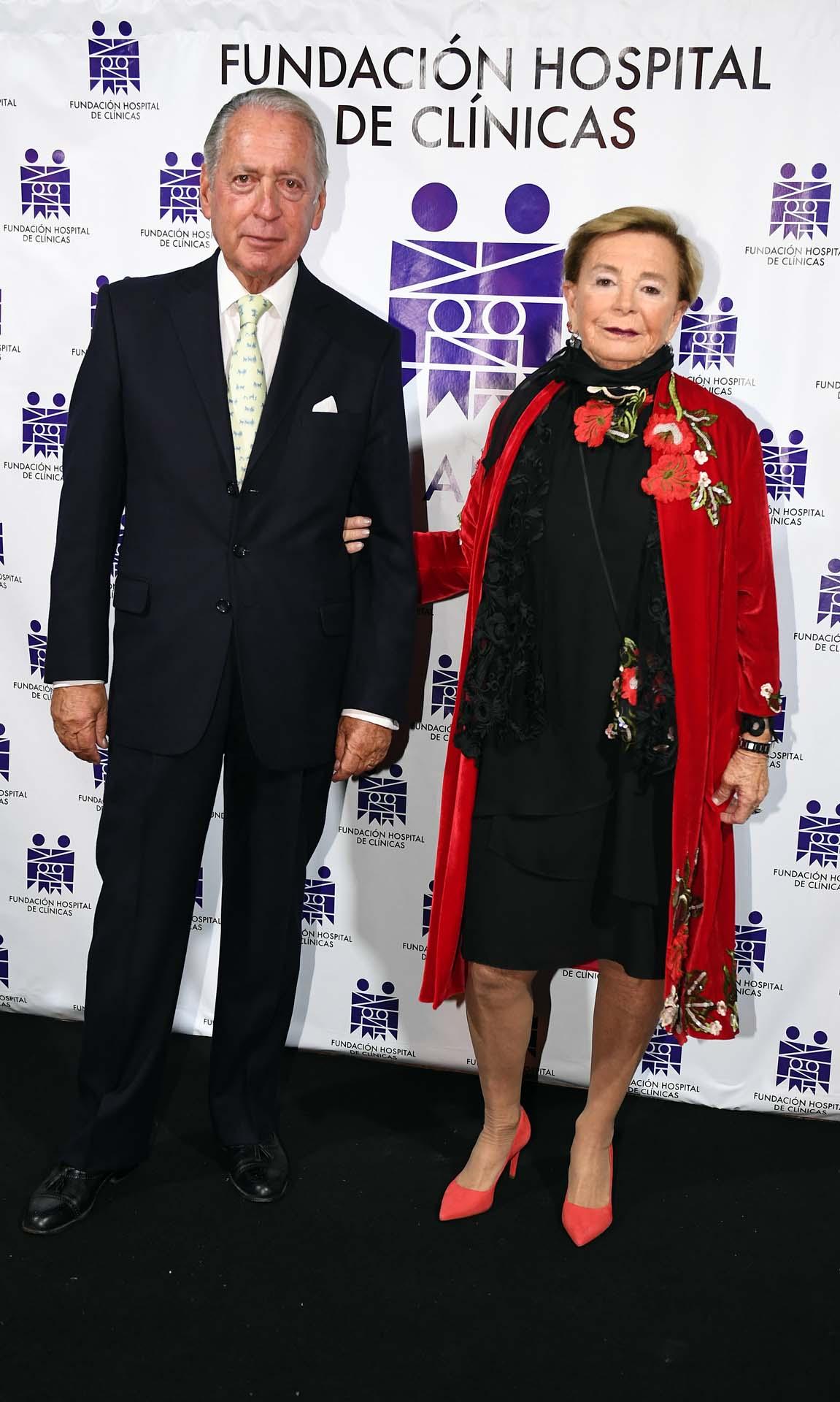 El presidente de la COPAL, Daniel Funes de Rioja, y su mujer