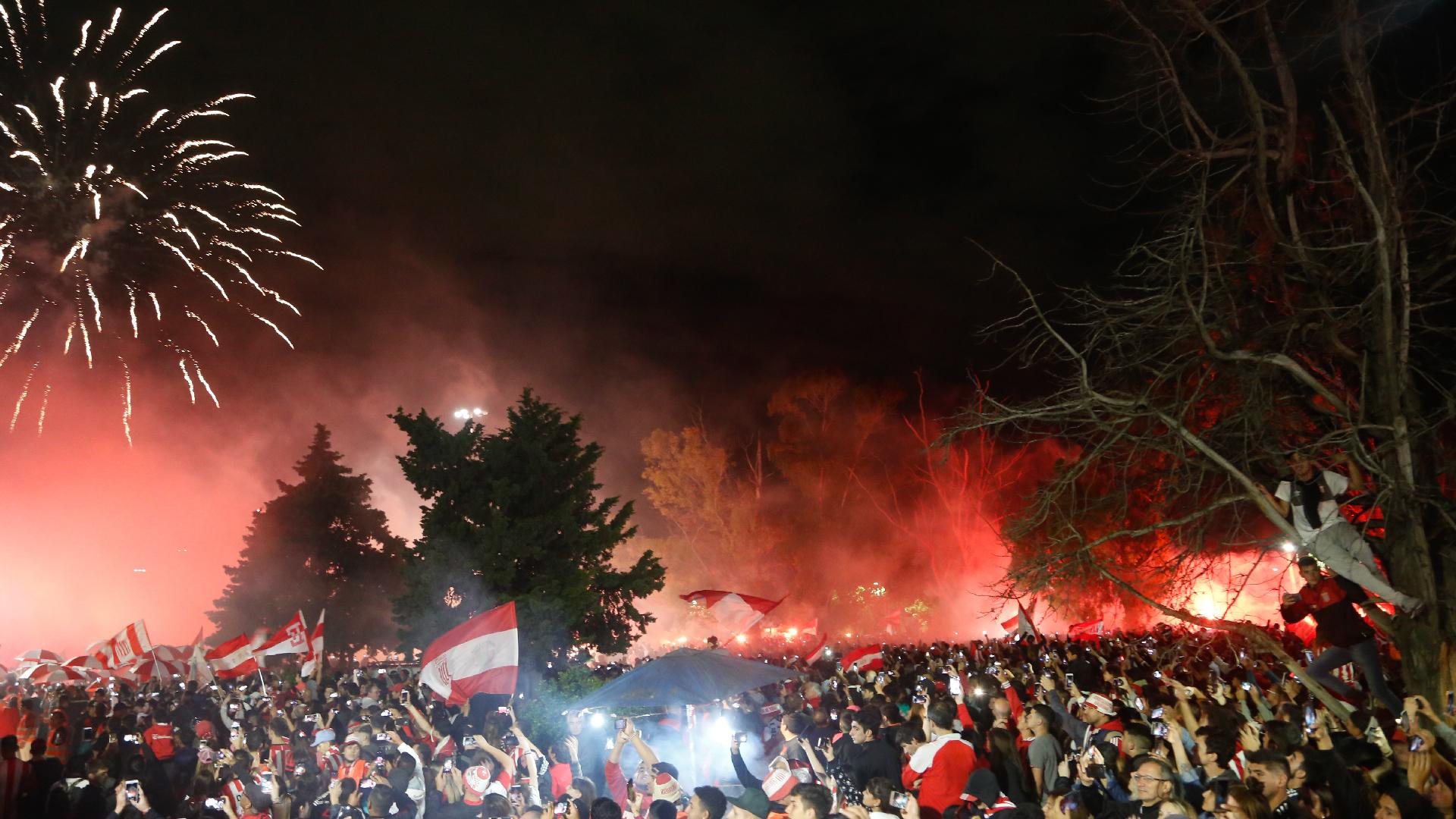 Los festejos de Estudiantes por volver a su cancha (Nicolás Aboaf)
