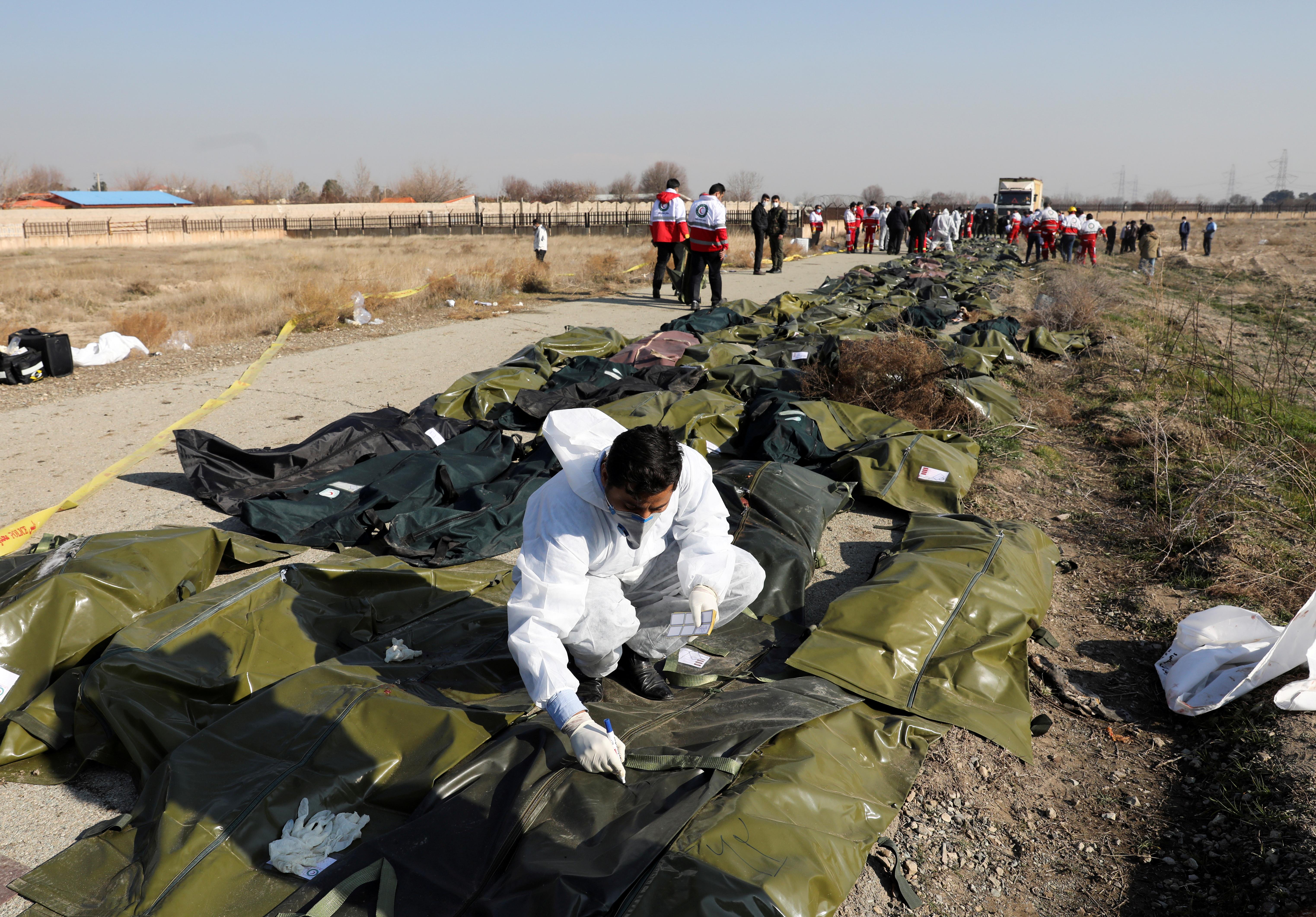 Murieron todos los pasajeros del avión (REUTERS)