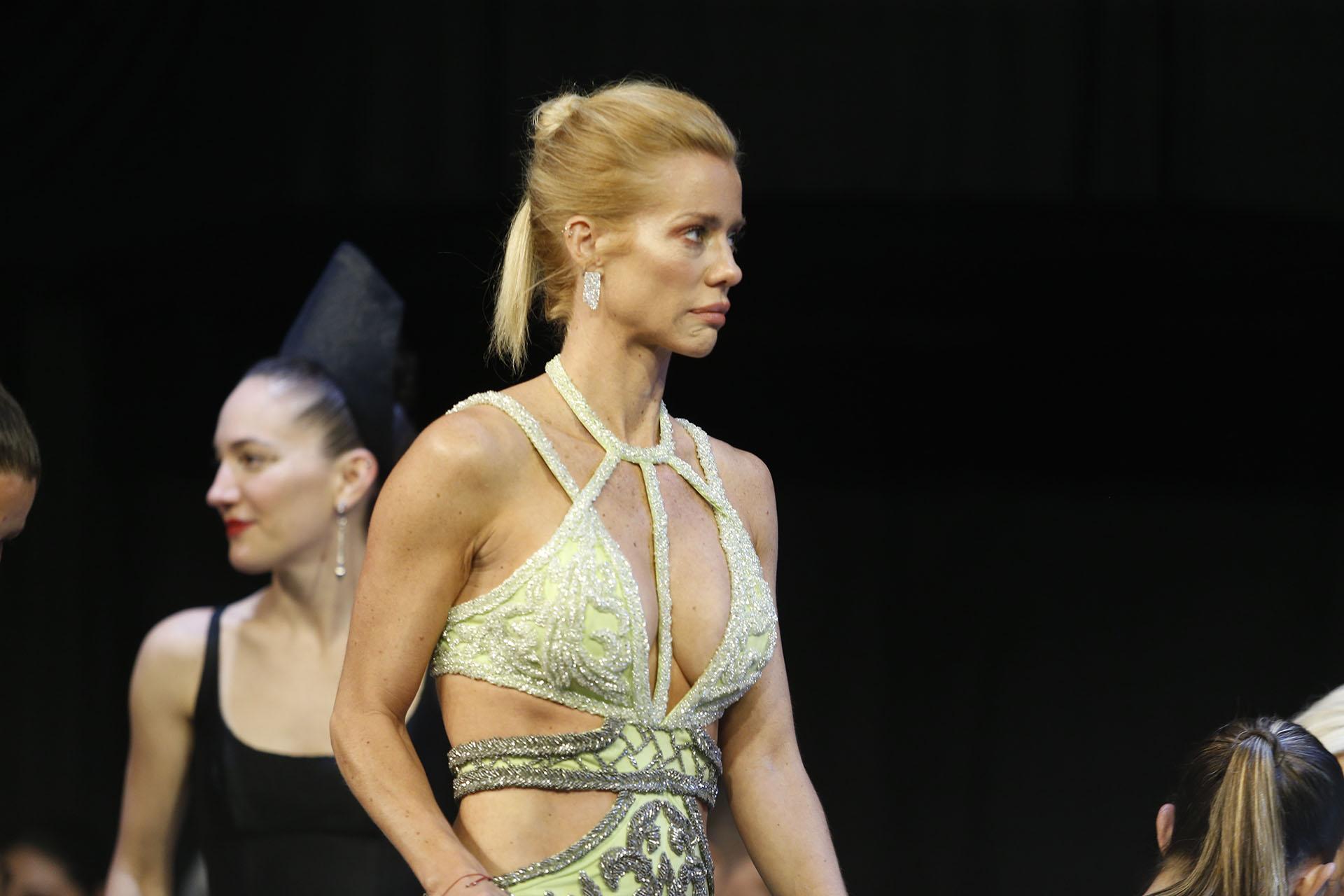 Nicole Neumann se llevó todas las miradas de la noche con el vestido del diseñador Laurencio Adot