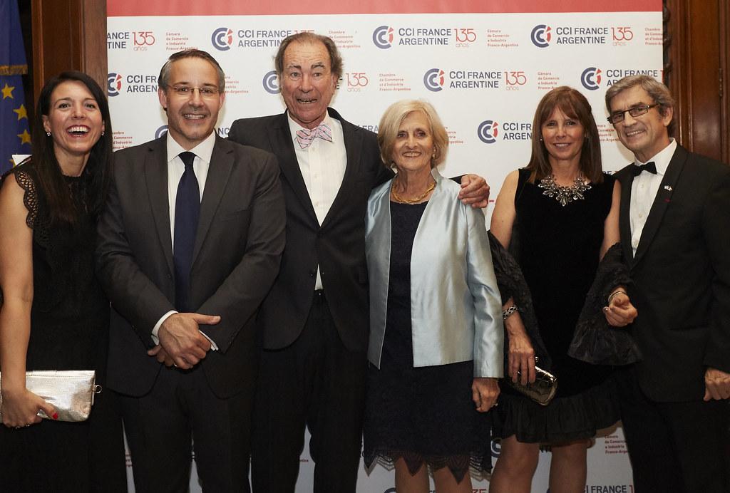 Yanina González Ayrala, Rodrigo Pérez Graziano, Guillermo Dietrich y su esposa Hada M. Marchese; Valeria y Carlos González Fernández