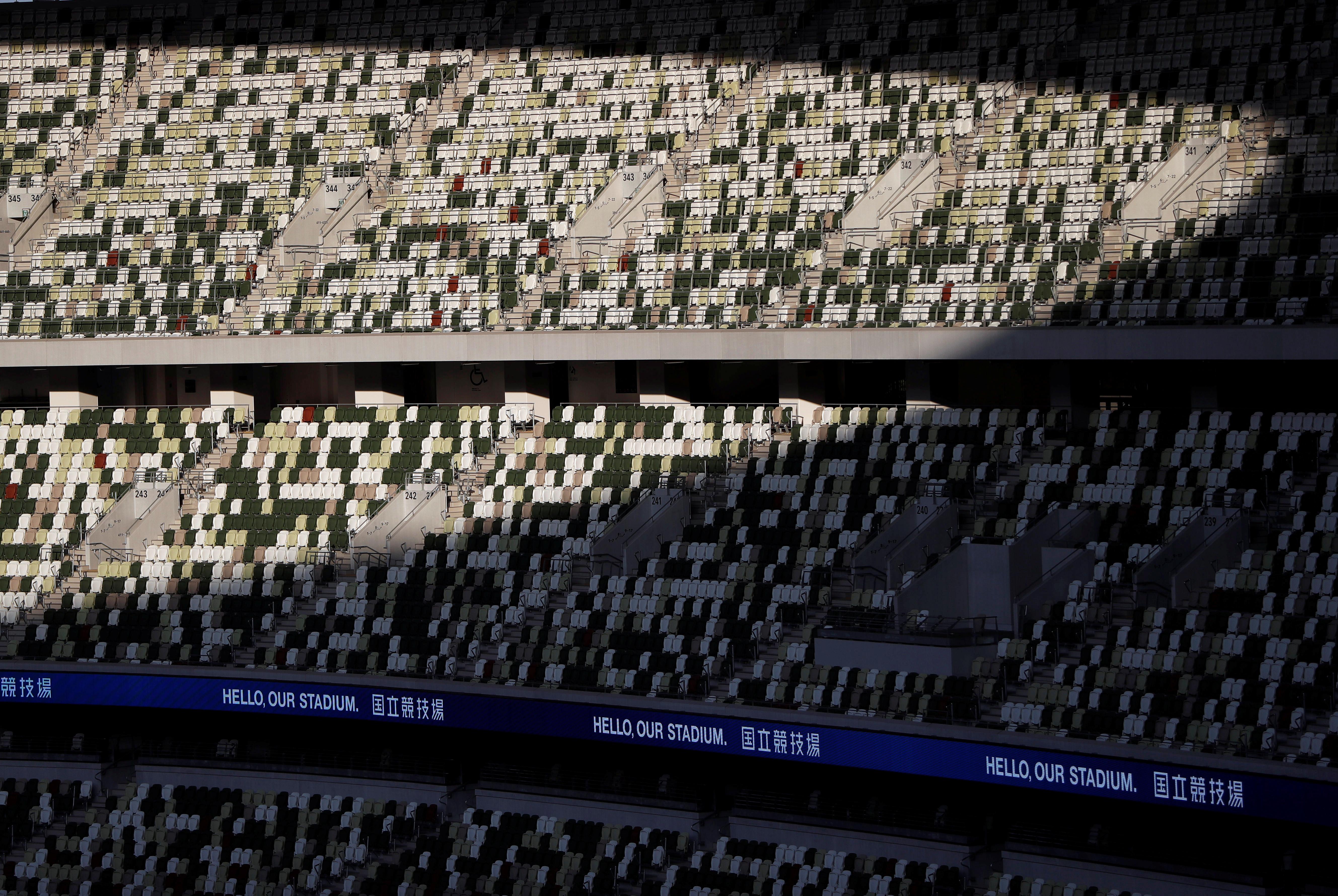 Las sedes de competencia estarán divididas en dos espacios de la ciudad japonesa. La Zona de la Herencia, en la que se utilizarán algunos recintos mejorados que fueron parte de los Juegos Olímpicos en 1964, y la Zona de la Bahía, el nuevo espacio donde se ubicaran las construcción, específicamente llevadas a cabo para la edición de 2020