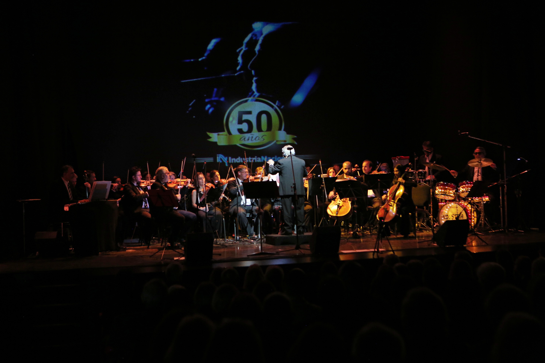 El evento se llevó a cabo en el Teatro Maipo. Allí, el grupo musical