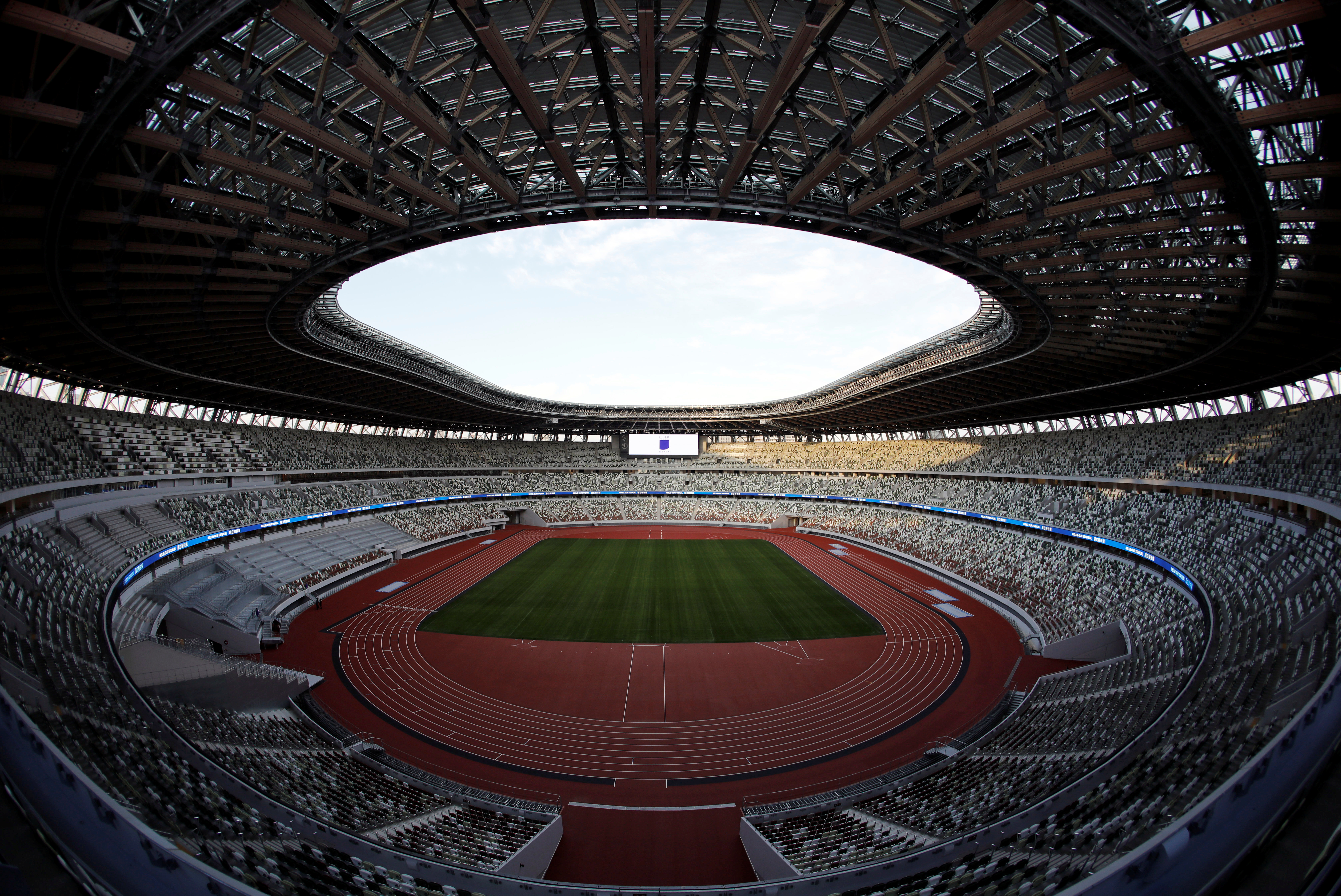 Su primera competición será la final de la Copa del Emperador de fútbol, el próximo 1 de enero