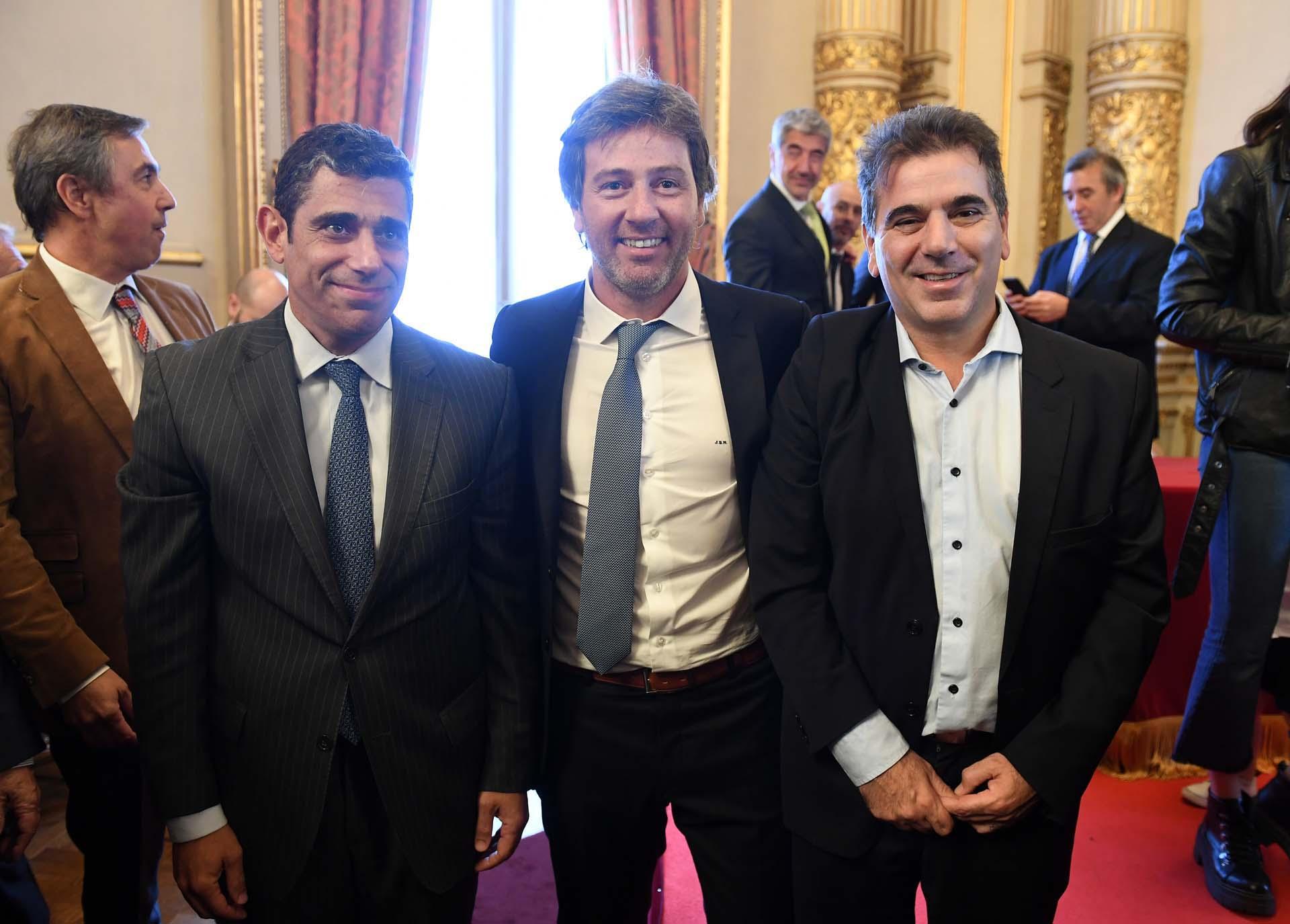 El camarista de Casación Daniel Petrone y el ministro de Seguridad de la Provincia de Buenos Aires, Cristian Ritondo, junto a Mahiques