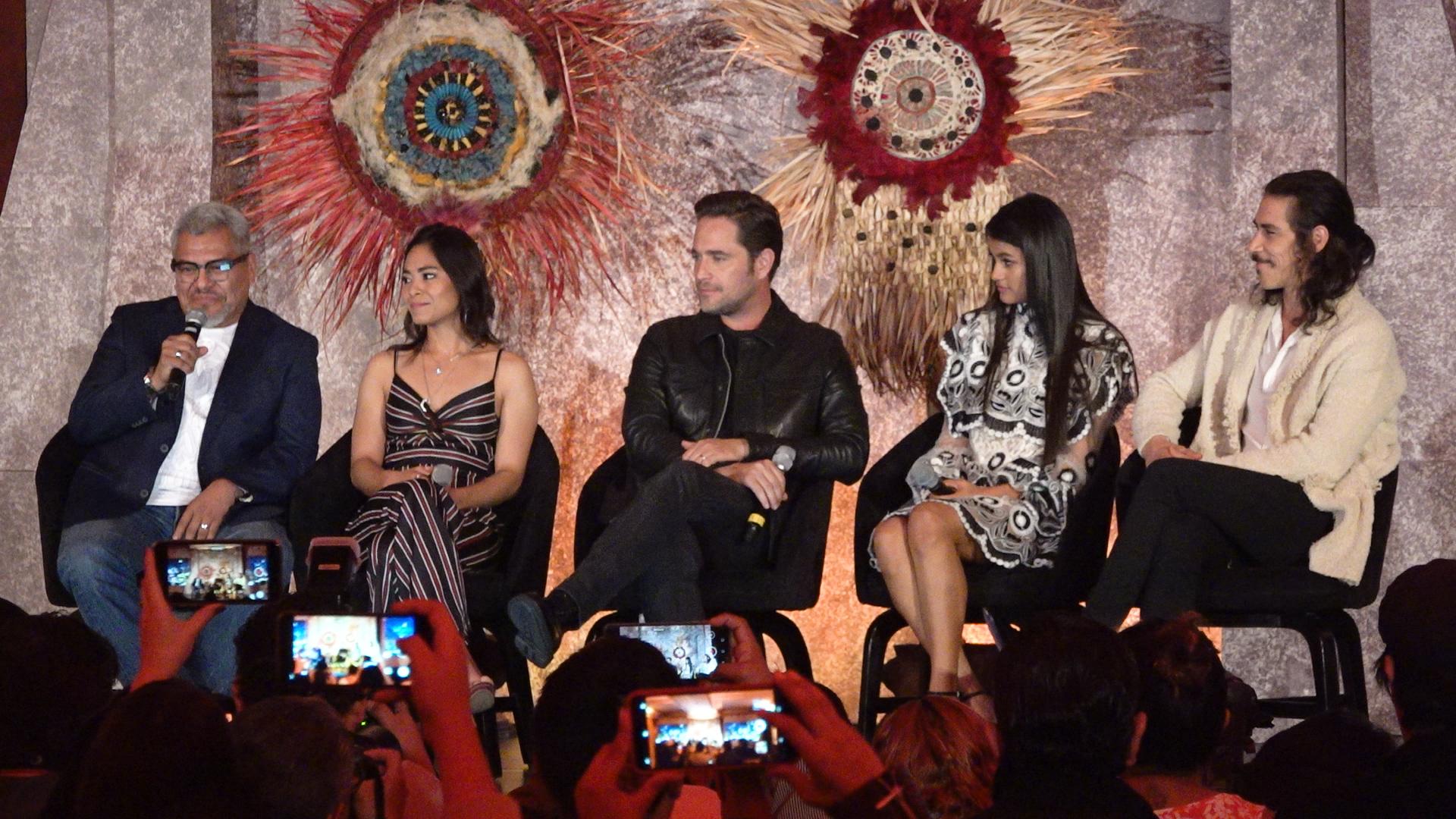 Los protagonistas de la serie Herán (Dagoberto Dama, Mitzi Mabel Cadena , Michel Brown, Ishbel Bautista y Oscar Jaenada.