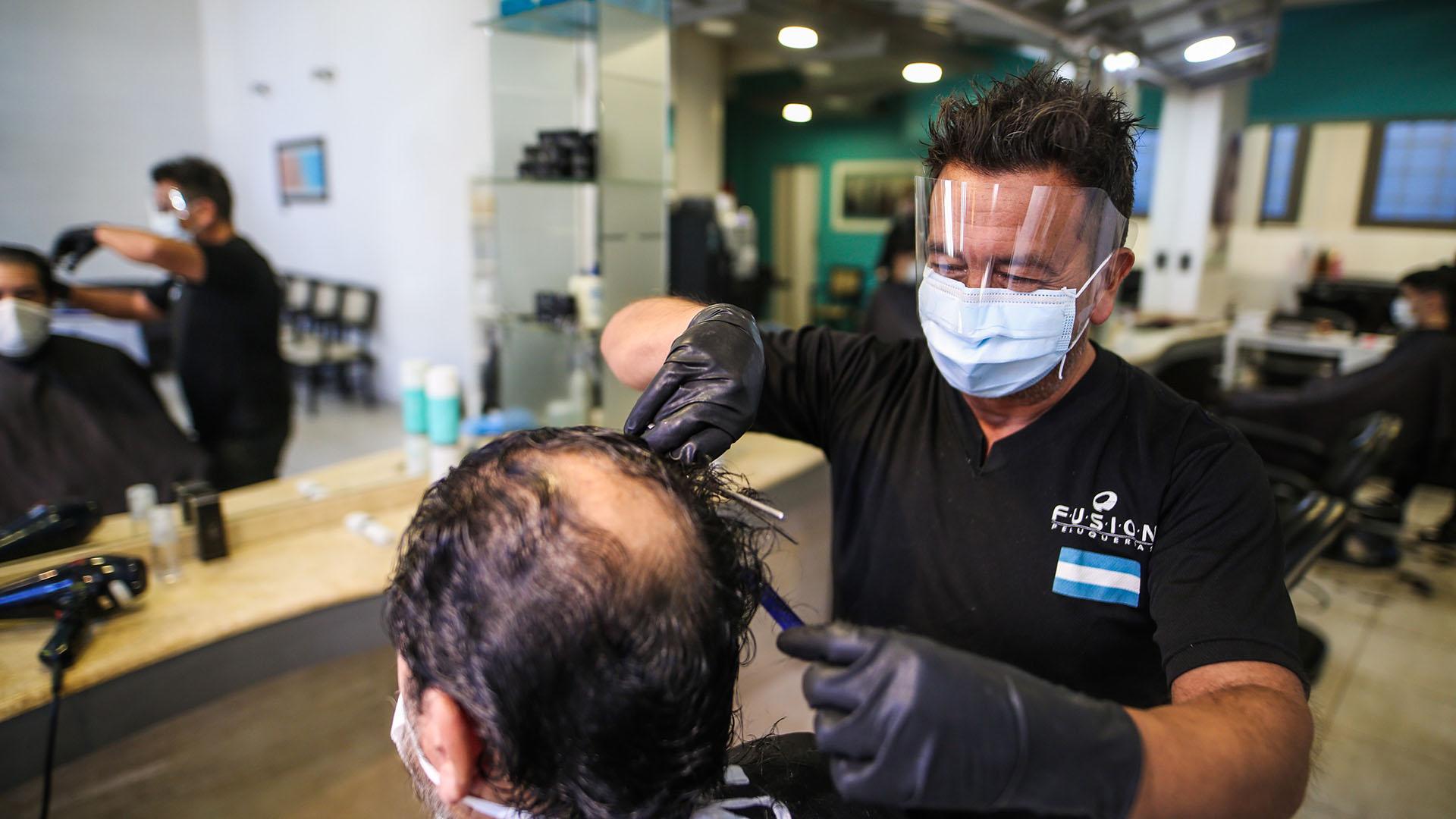 El protocolo marplatense para las peluquerías indica que los clientes