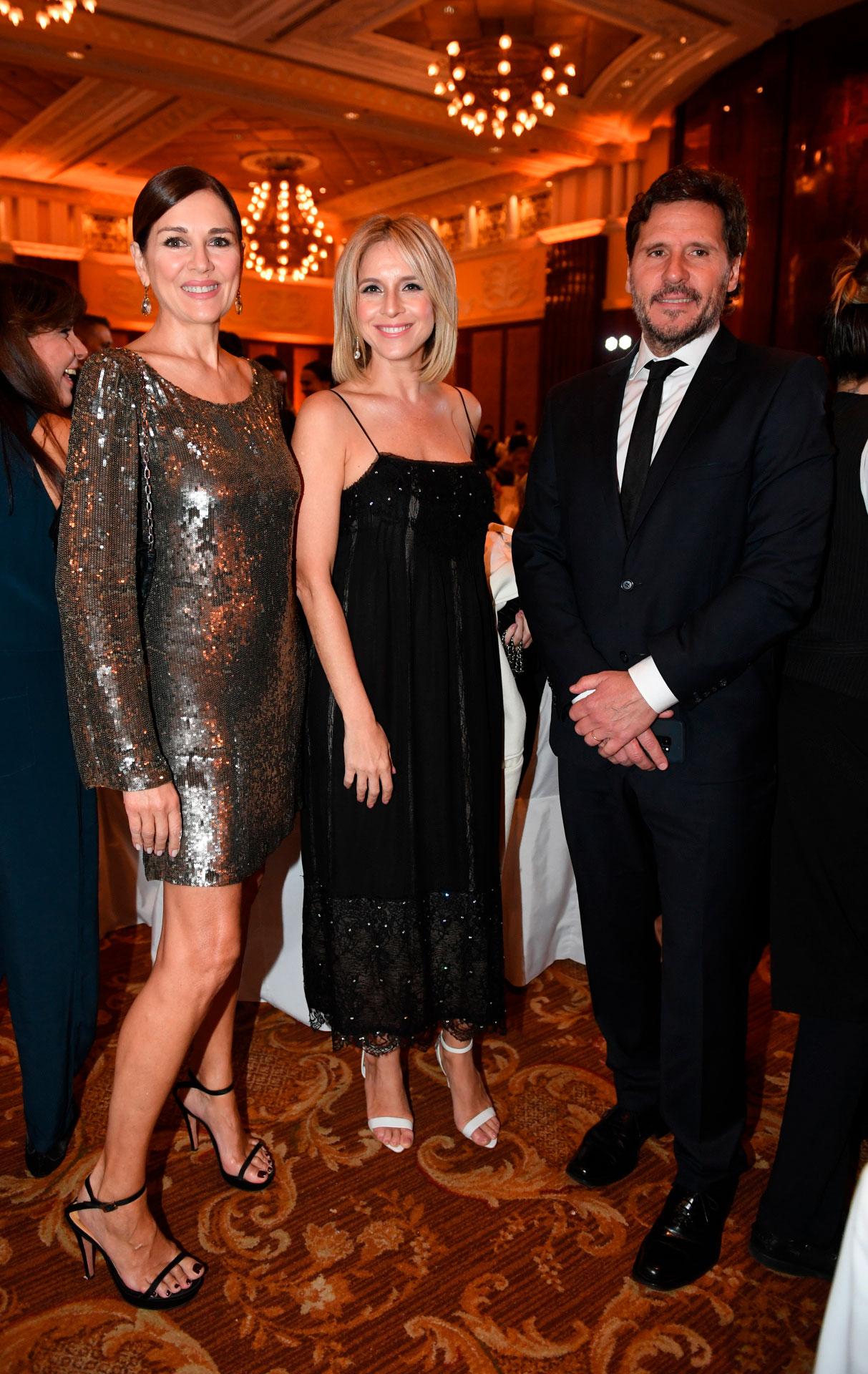 Andrea Frigerio, Carla Peterson y Lucas Bocchino