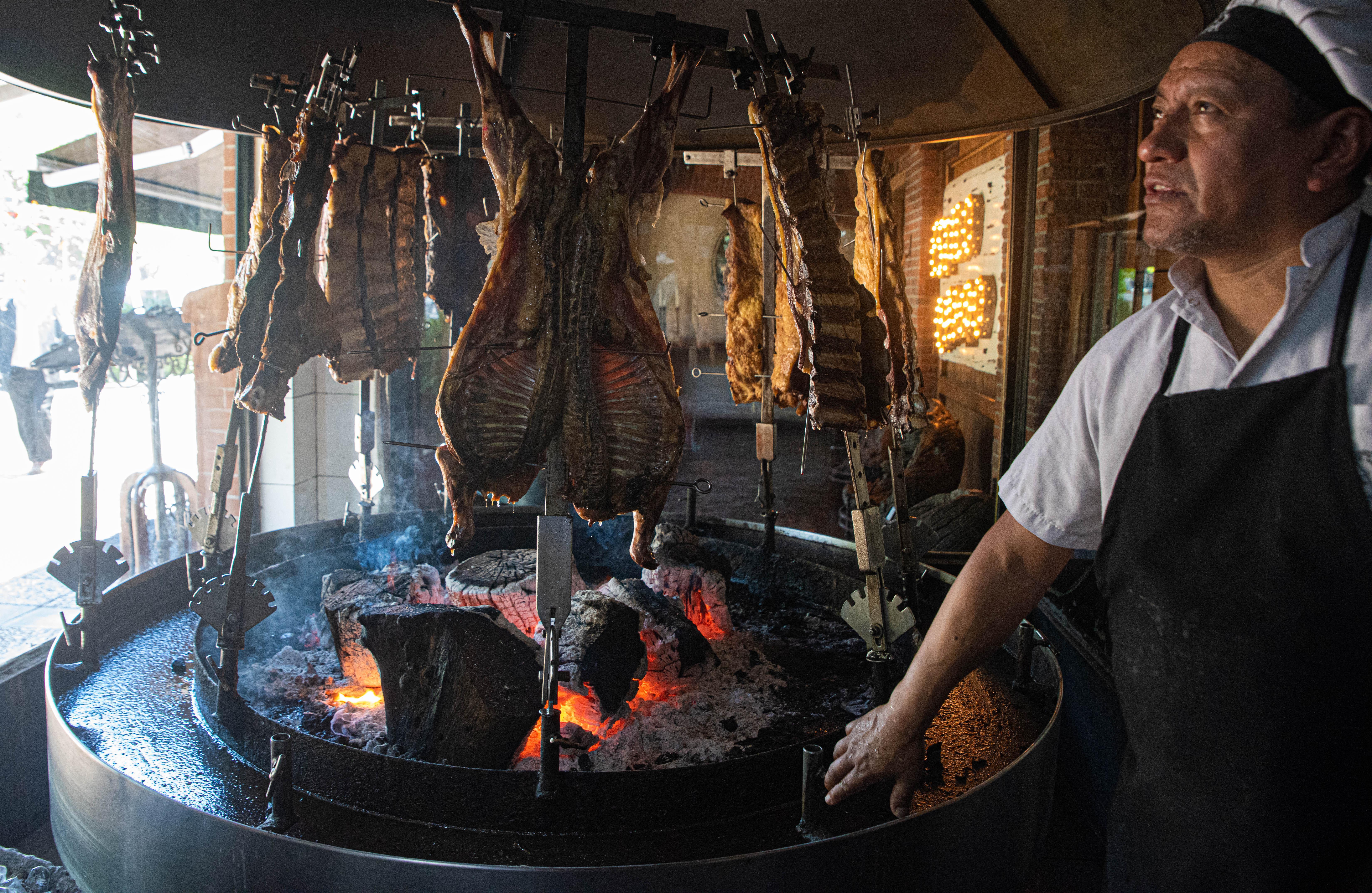 Desde noviembre de 1998 sus puertas están abiertas. Cinco socios aficionados por la gastronomía y el buen comer decidieron poner en marcha un proyecto que los represente. Hoy con más de 25 años, fue declarado por la Legislatura de la Ciudad de Buenos Aires sitio de interés turístico