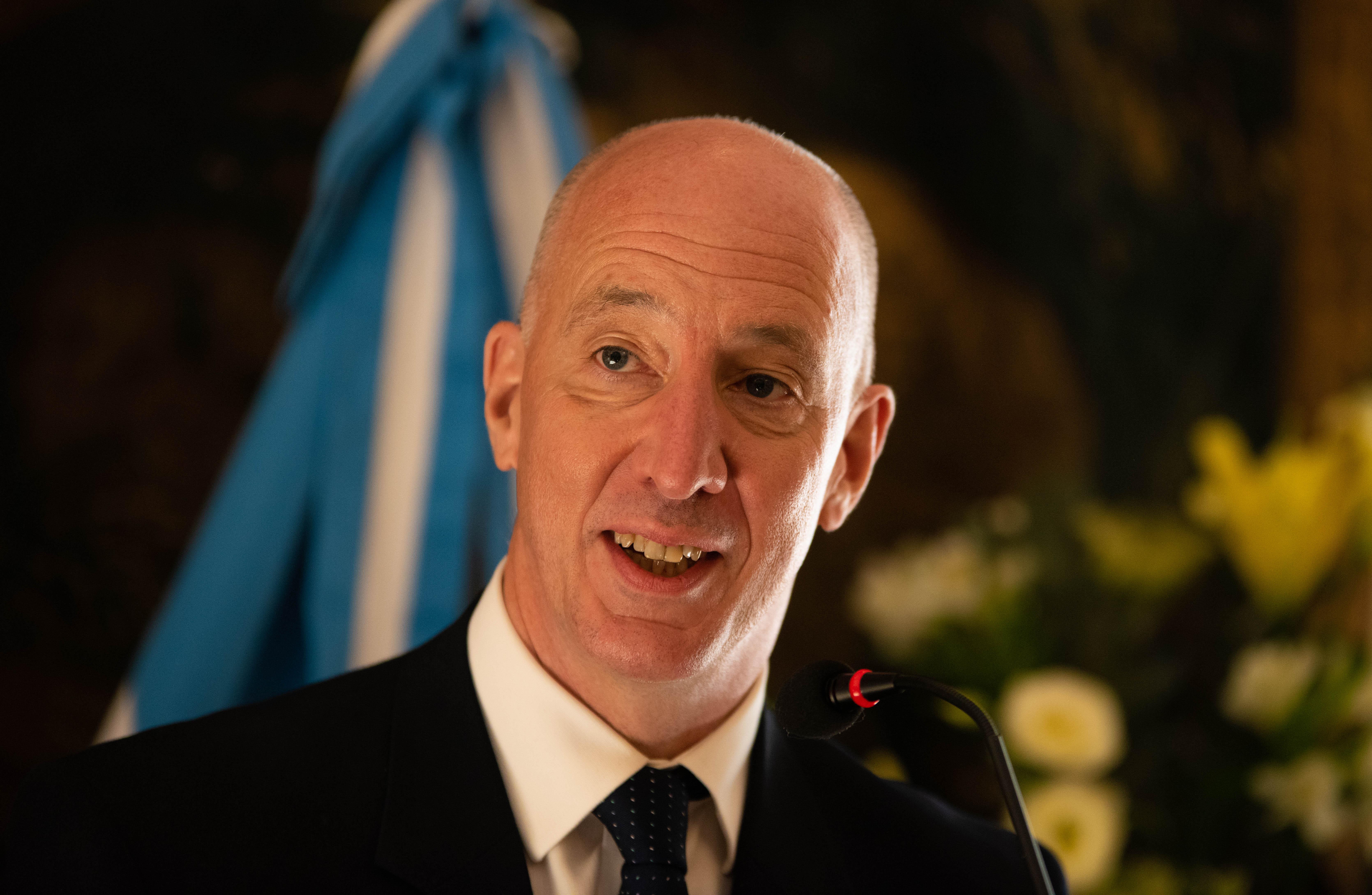 El embajador británico, Mark Kent. El fenómeno a nivel mundial de
