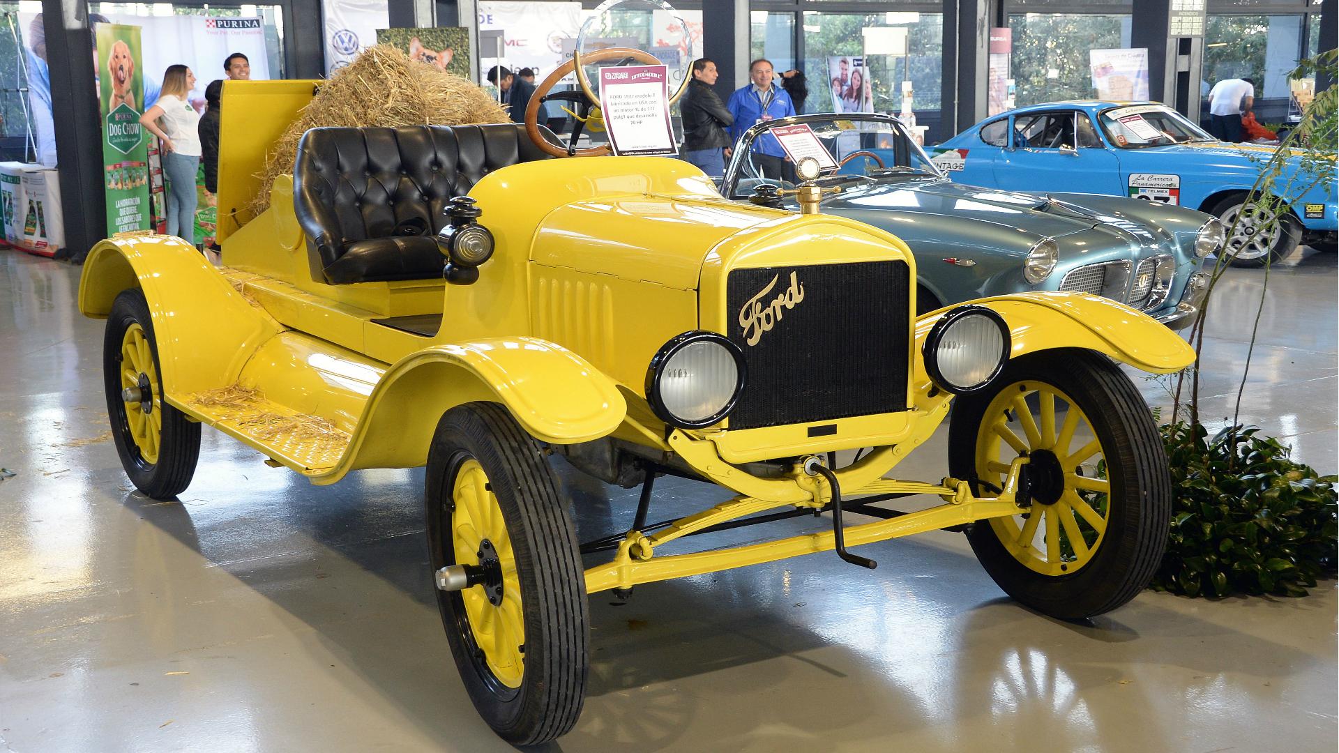 Un Ford T 1912 en color amarillo (Foto: UNAM)