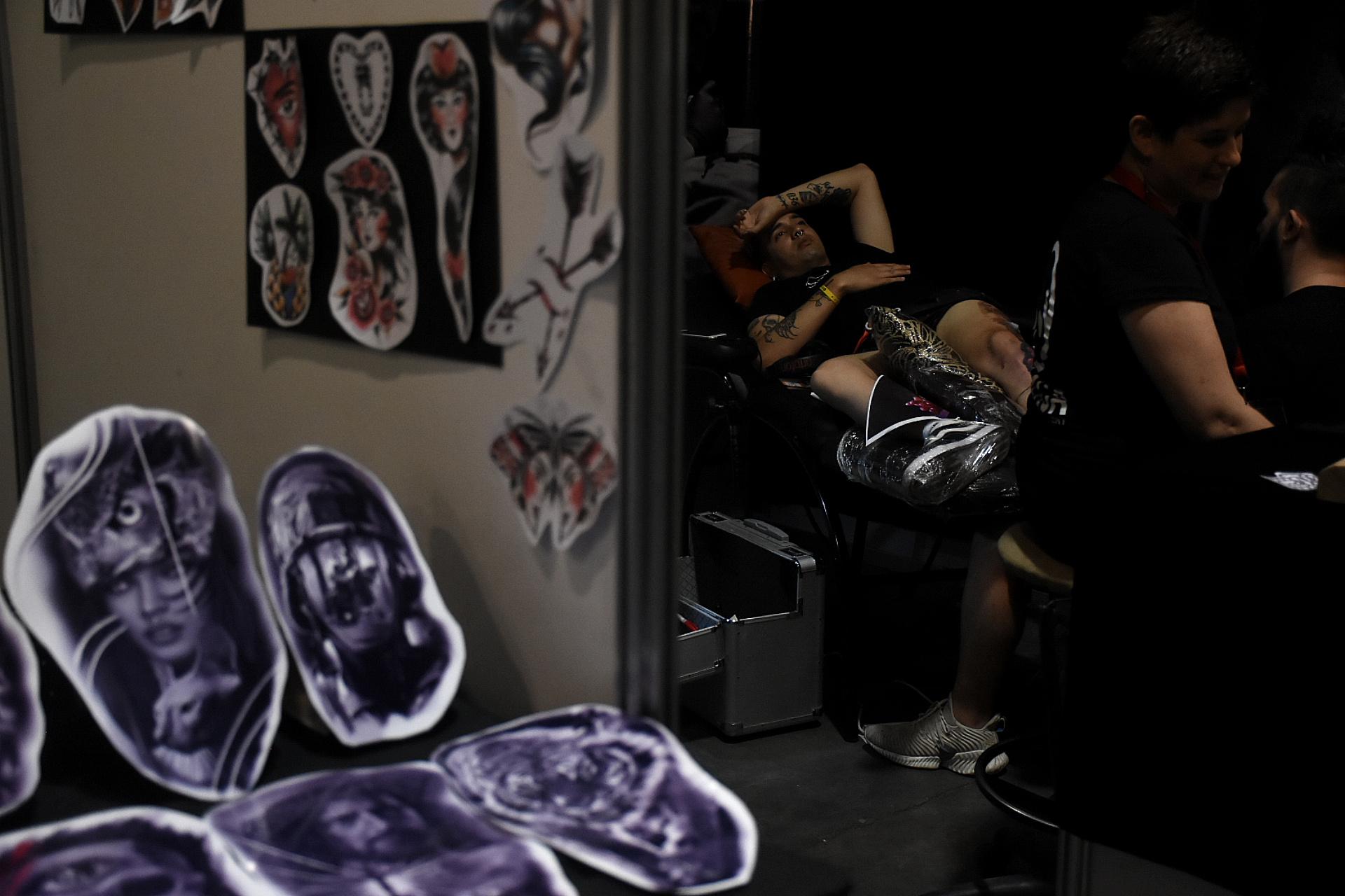 La triple jornada verá a los mejores tatuadores de más 20 países, a integrantes de la agrupación internacional de Barbas y música, habrá mucha música que se mezclará en los escenario interno y externo del evento que se extenderá hasta la medianoche del domingo 8 de marzo