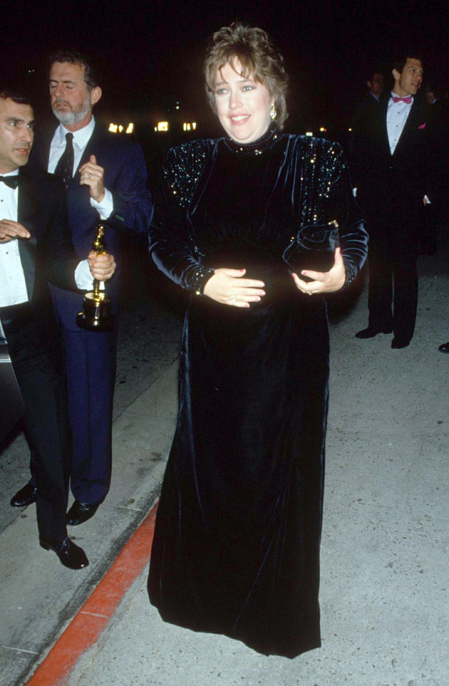 Kathy Bates en los premios de Hollywood de 1991. Recibió un Oscar a la mejor actriz por su magnífica actuación en