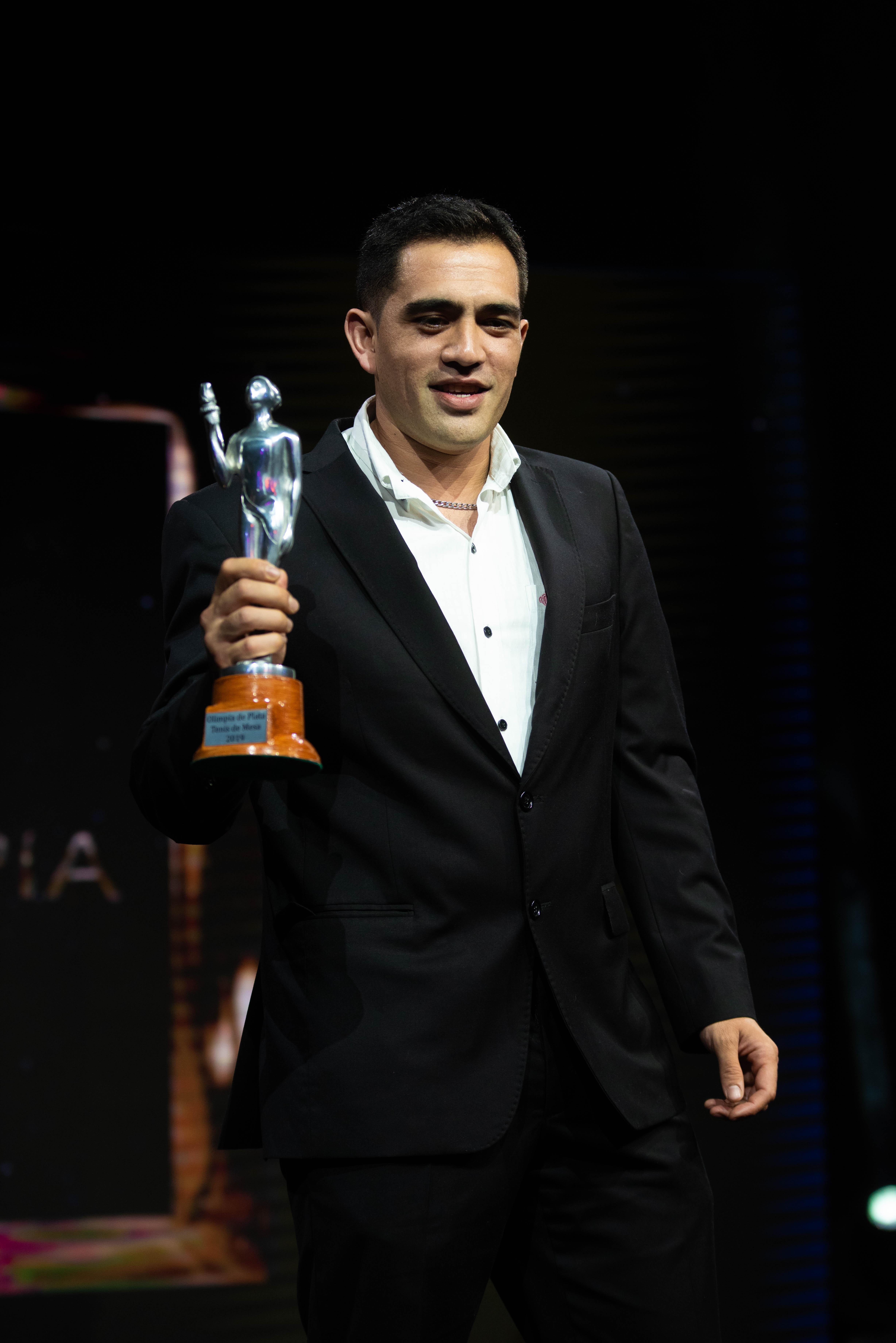 Gastón Alto, ganador del Olimpia de plata en tenis de mesa