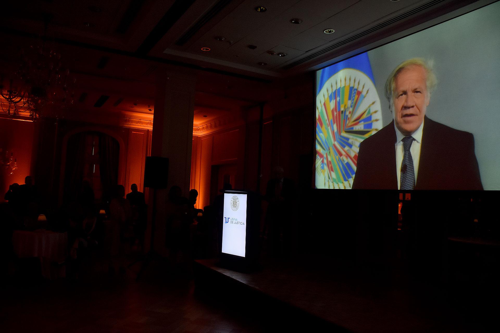 Las palabras de Luis Almagro Lemes, secretario general de la OEA, quién iba a recibir el premio y no pudo presenciar la ceremonia ya que debió asistir a un encuentro por el Tratado Interamericano de Asistencia Recíproca (TIAR), en Nueva York