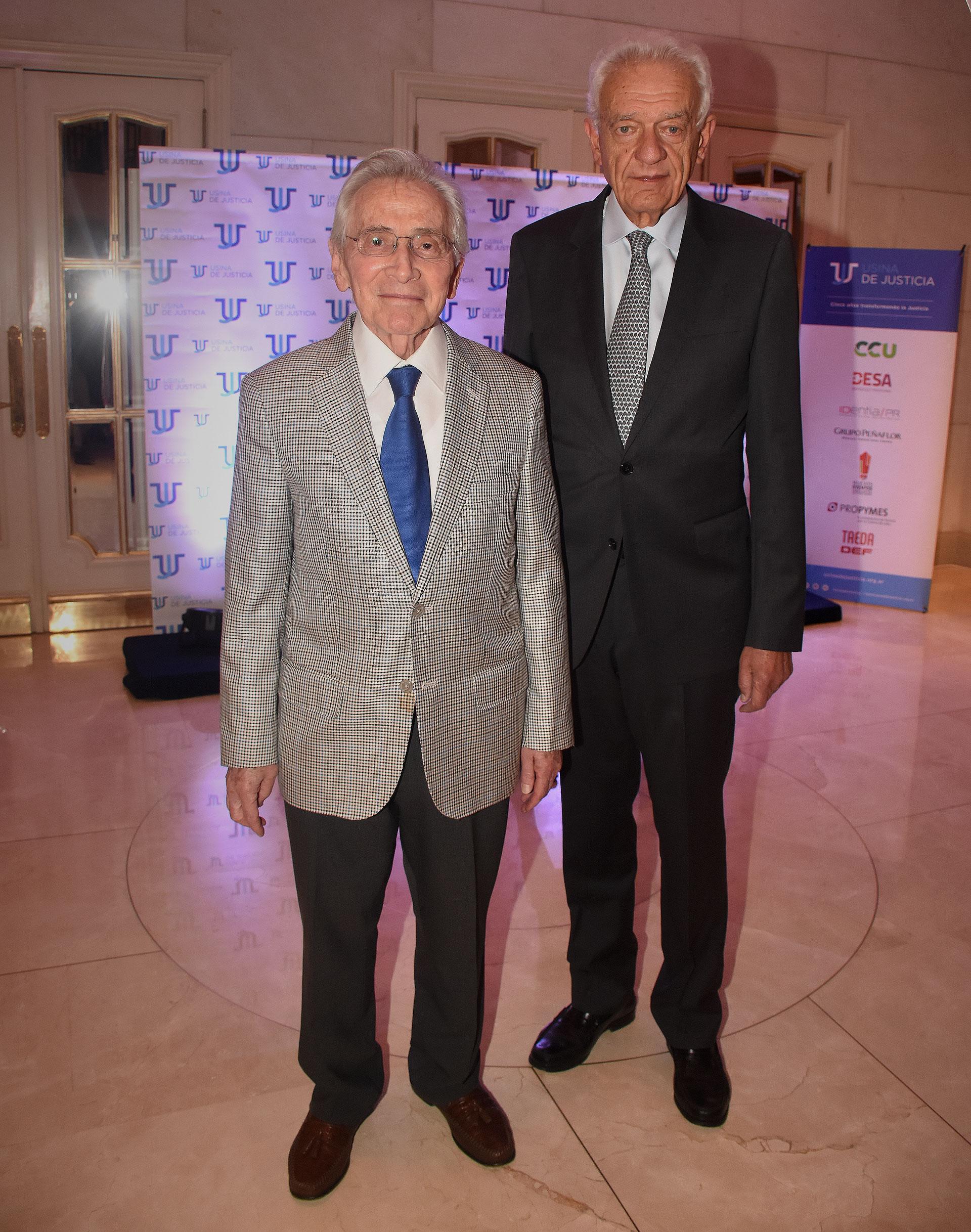 Marcos Aguinis y David Stalman, vicepresidente primero de la DAIA