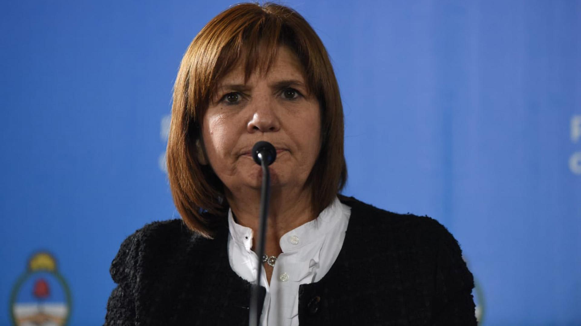 Resultado de imagen para foto de la ministra de seguridad bullrich y kicillof