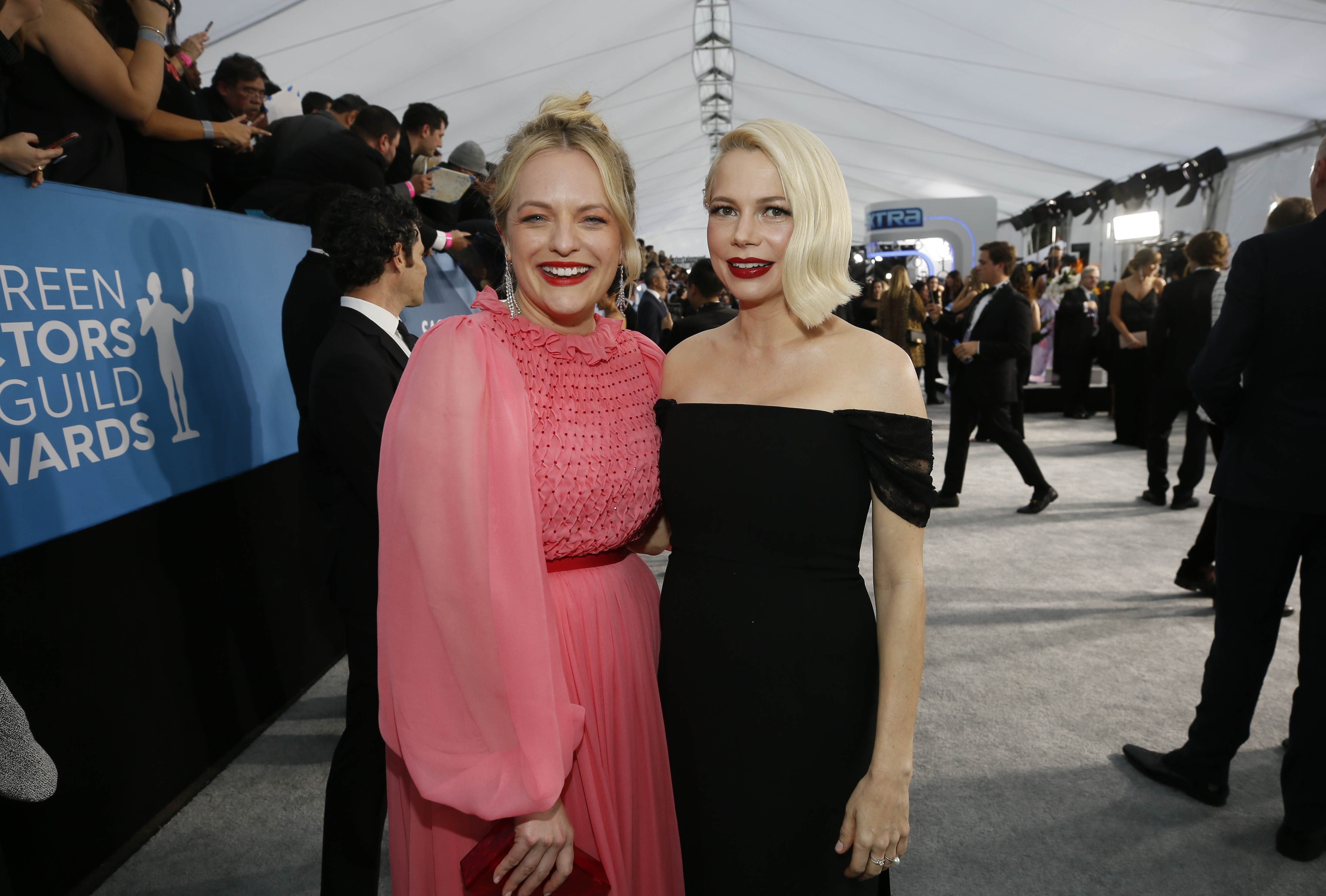 Elizabeth Moss y Michelle Williams