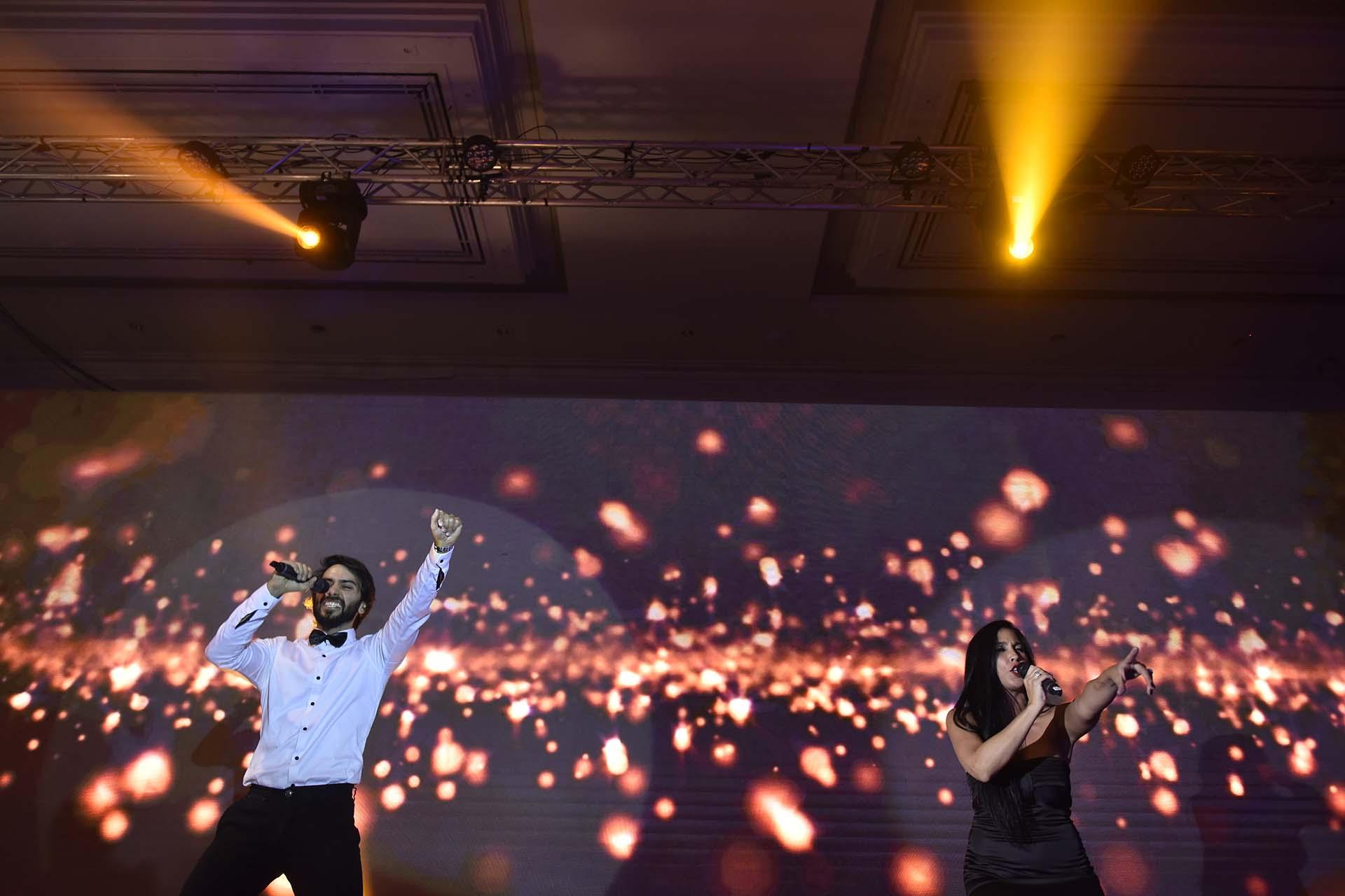 En la celebración, Ilusión Show, deleitó a los presentes con canciones que hicieron bailar a todos los presentes