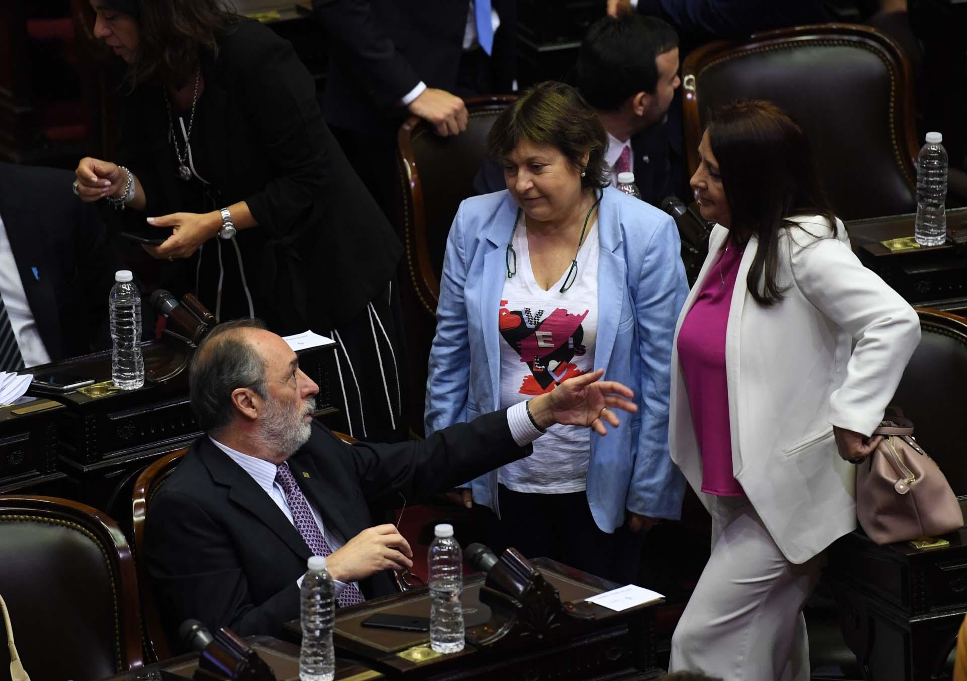 Pablo Tonelli, Graciela Camaño y María Luján Rey