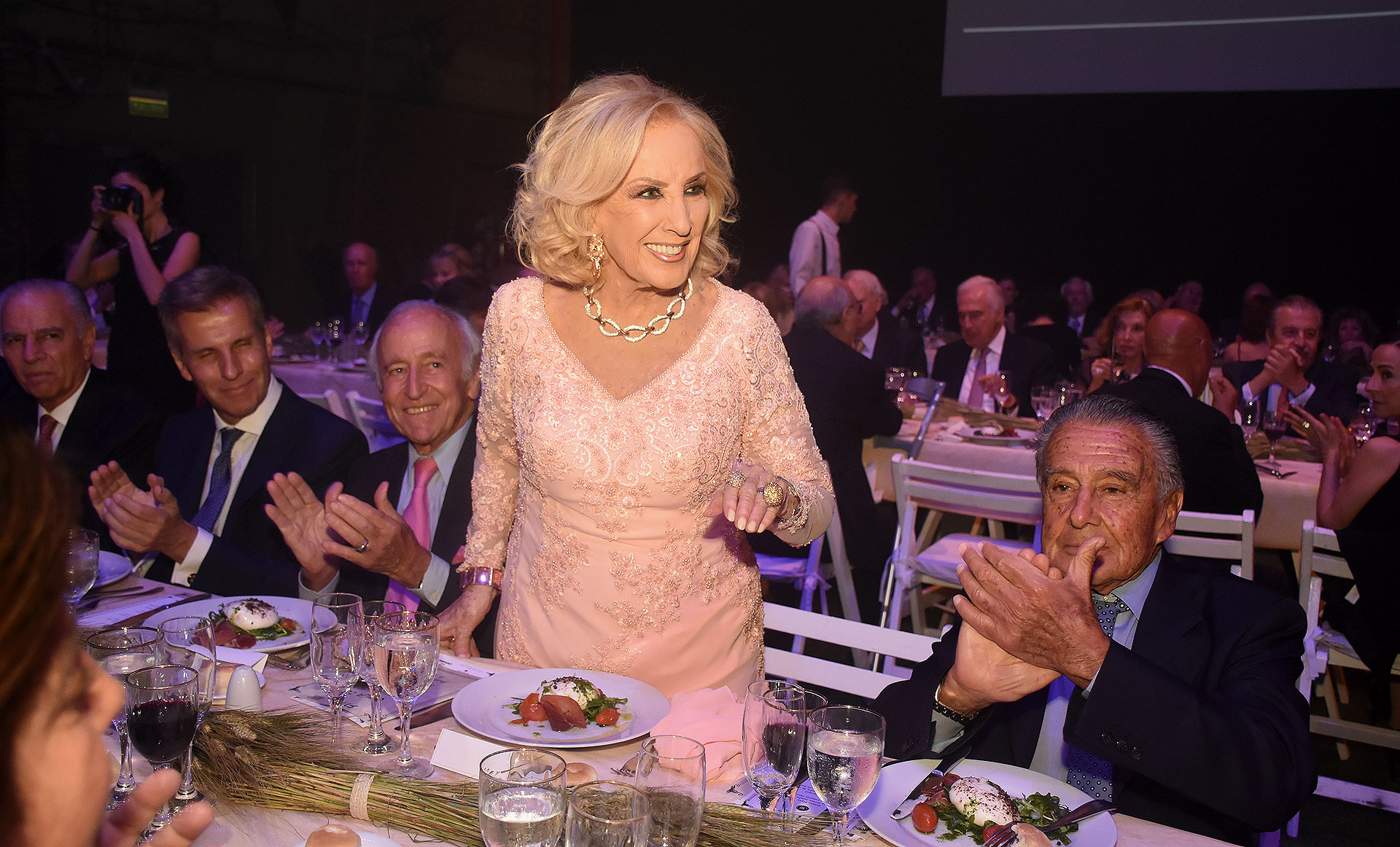 Mirtha Legrand compartió la mesa principal con Eduardo Eurnekian, Santiago Soldati, Alejandro Bulgheroni y Martín Redrado