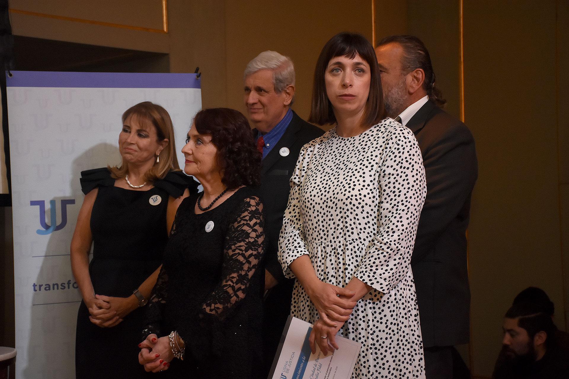 La diputada Natalia Fidel fue reconocida por un proyecto de ley que auspicia el patrocinio jurídico gratuito para víctimas