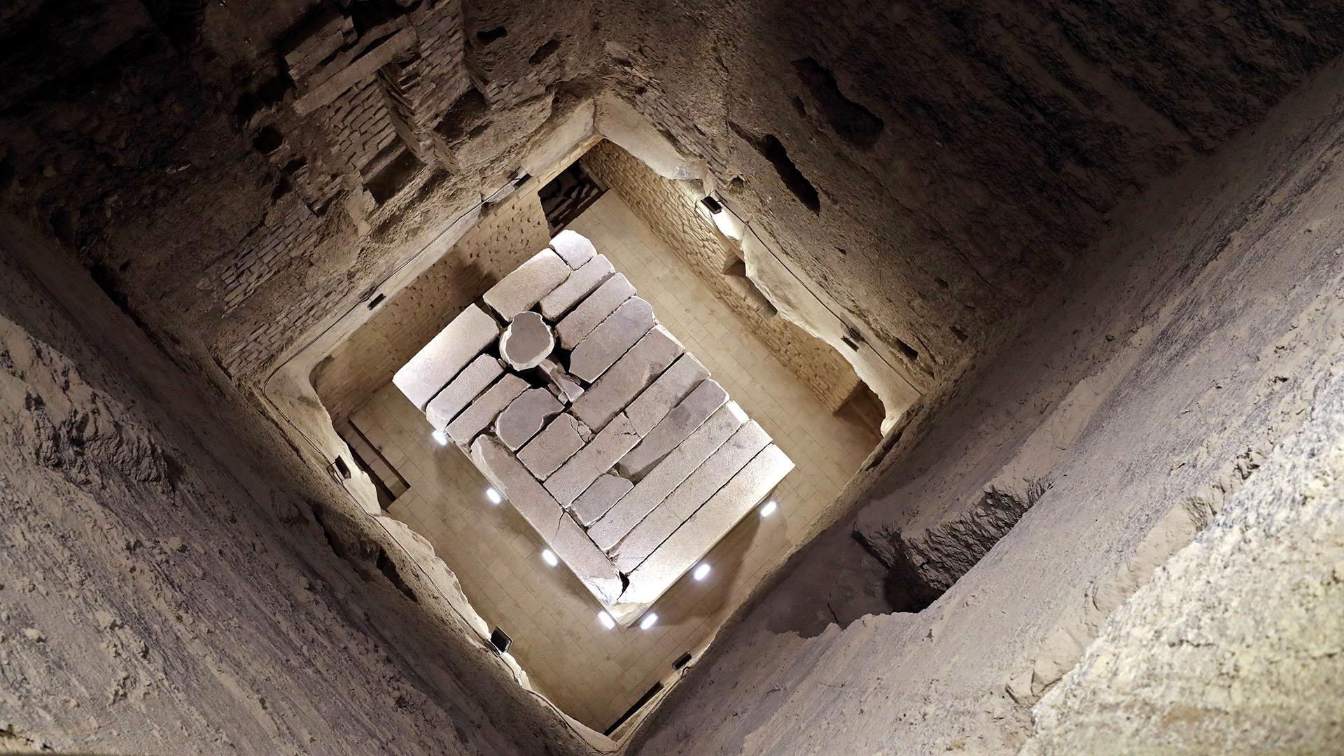 Las autoridades egipcias inauguraron la famosa pirámide escalonada de Djoser, una de las primeras construidas en la antigua historia antigua, después de años de renovación (AFP)