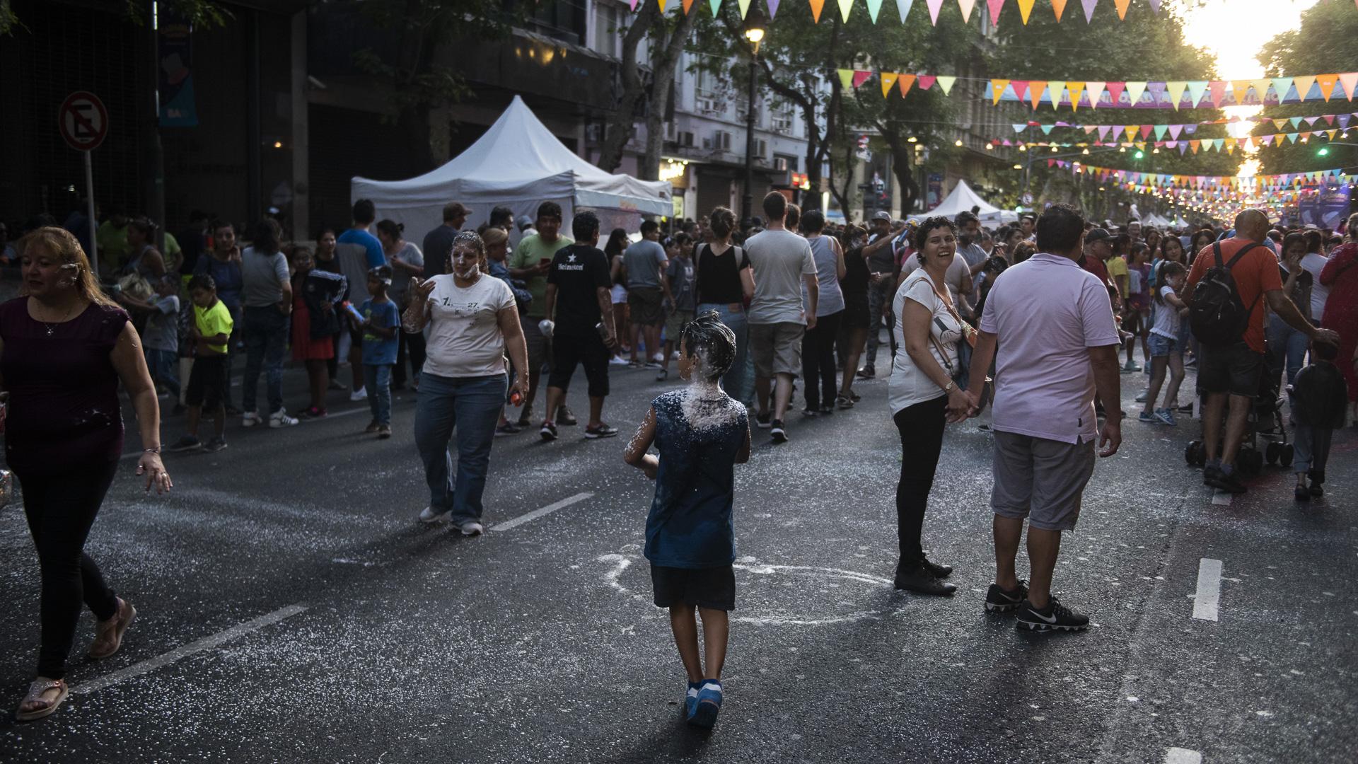El Carnaval Porteño tiene como objetivo promover la identidad de cada barrio y generar mayor participación de los vecinos