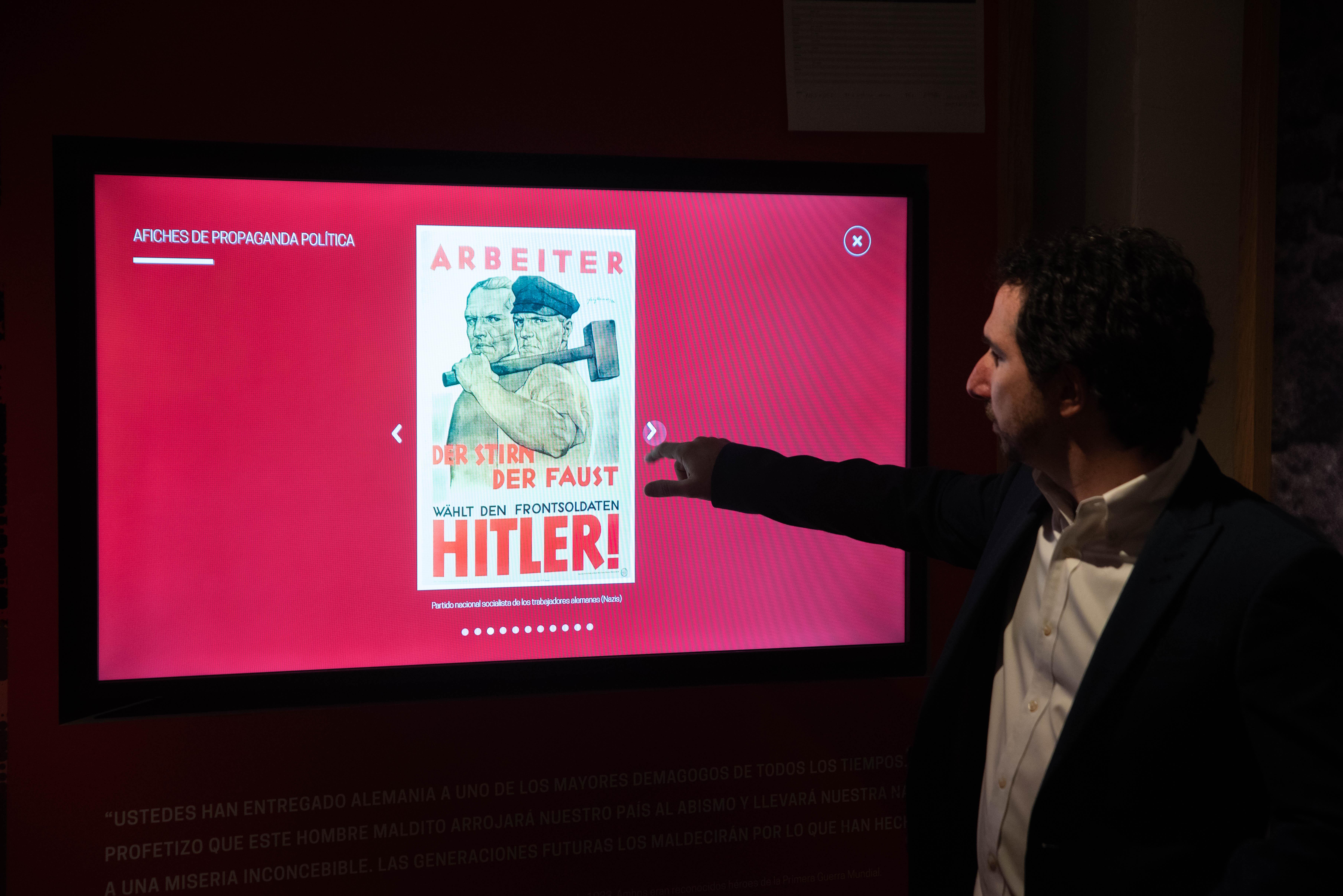 Una pantalla interactiva divide el período en cuatro grandes conceptos: el ascenso del nazismo, la hiperinflación, la propaganda política y el antisemitismo.