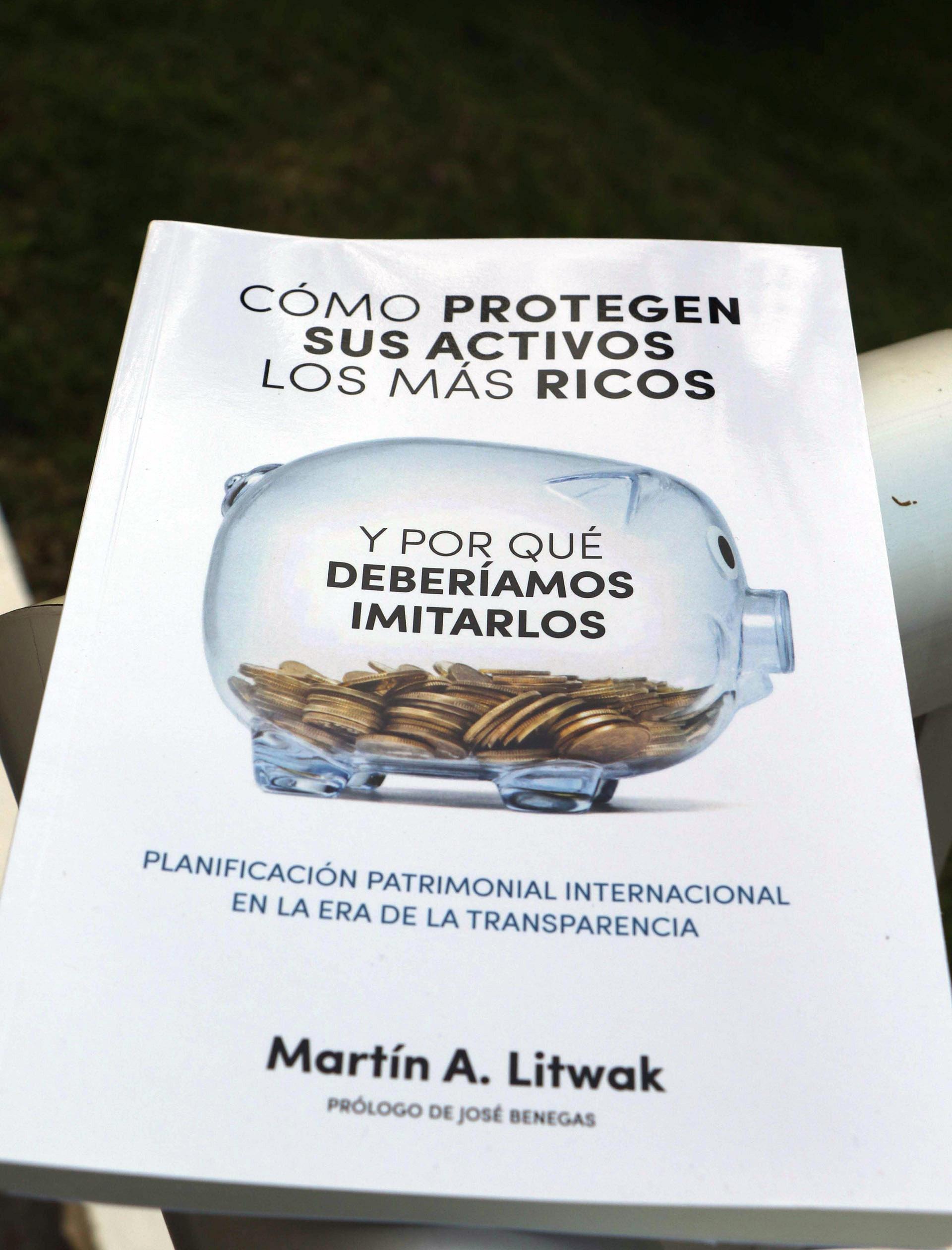"""El primer libro de Martín Litwak """"Cómo protegen sus activos los más ricos y por qué deberíamos imitarlos"""" /// Fotos: GM Press"""