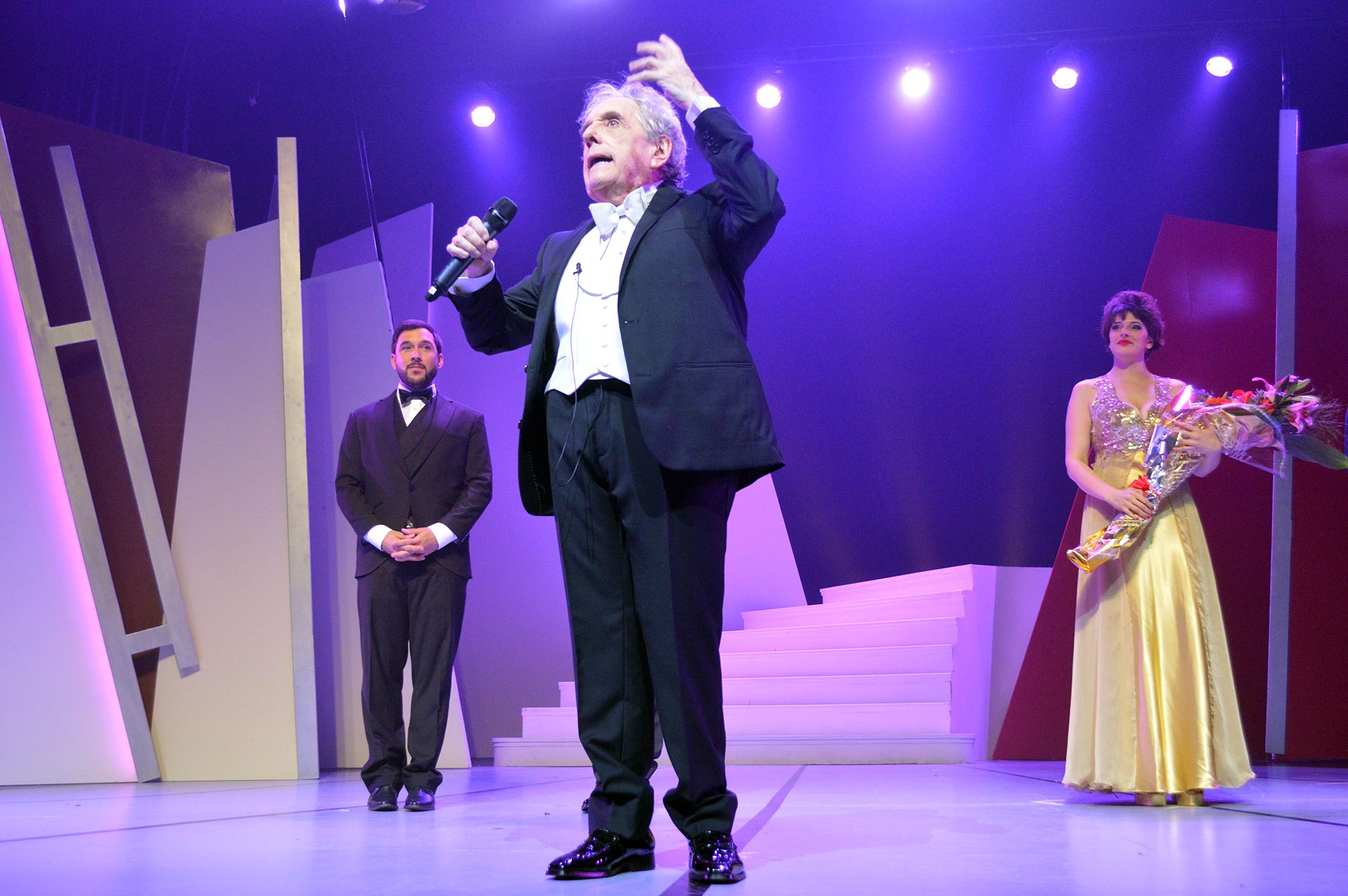 Al término de la función, el actor dedicó unas sentidas palabras a su público, que lo ovacionó de pie