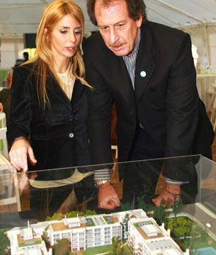 Jorge Brito y su hija Milagros, presidente de Vizora Desarrollos Inmobiliarios. La empresaria vive en Tigre, donde conduce algunos de sus proyectos que compartía junto a su padre