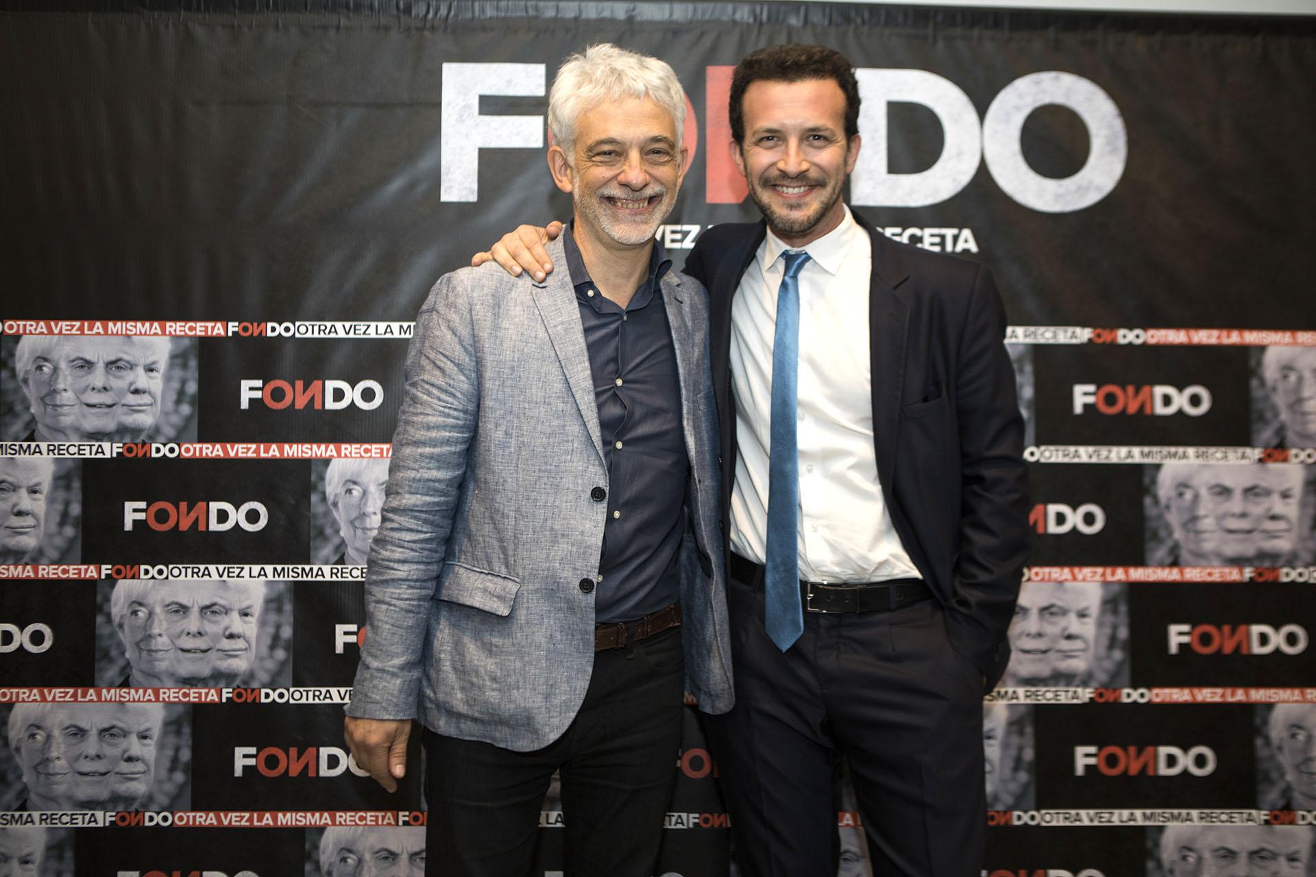 El periodista Claudio Martínez junto a Alejandro Bercovich