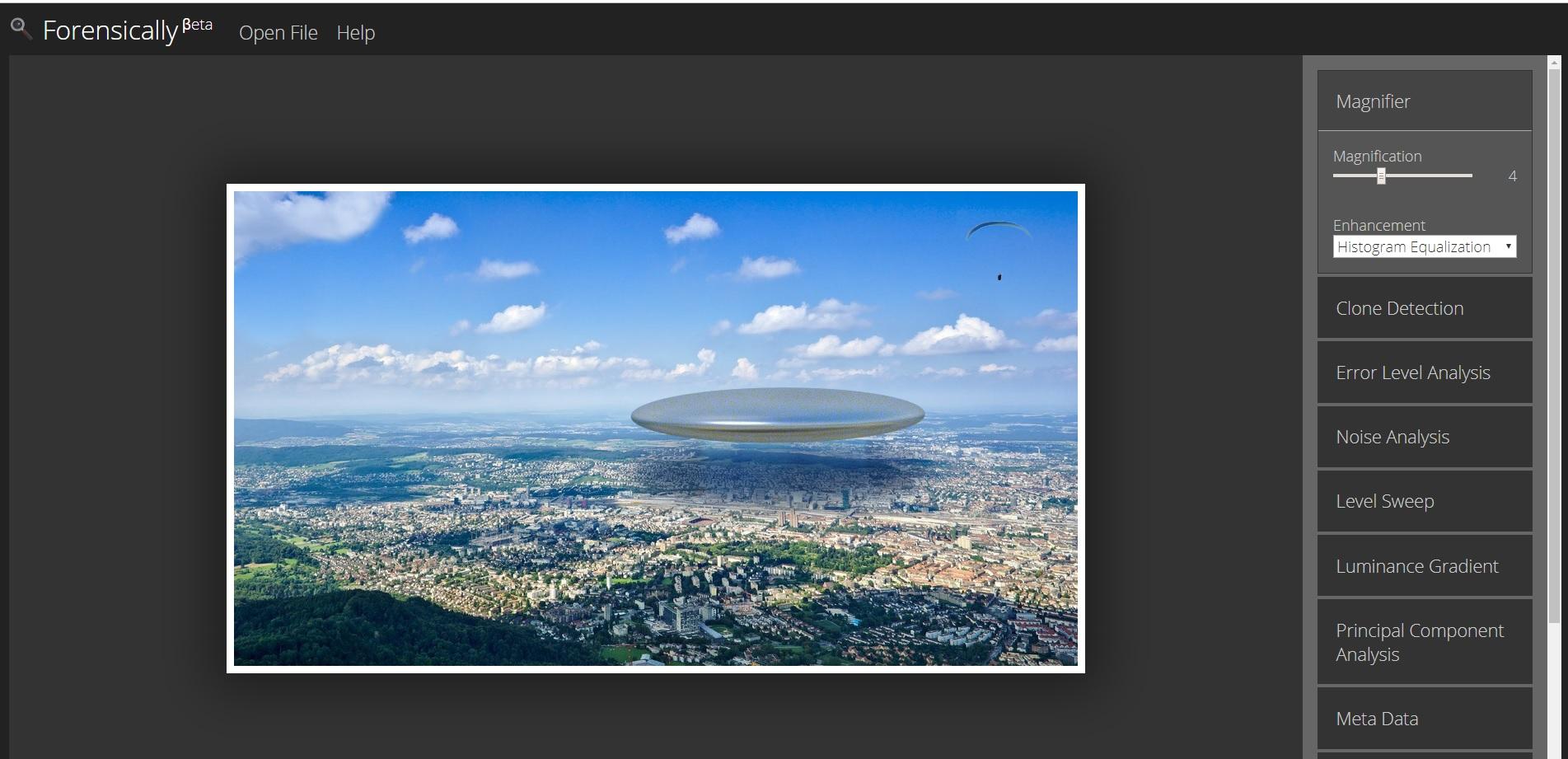 Forensically es un sitio que cuenta con varias herramientas para analizar las imágenes e identificar si fueron trucadas.