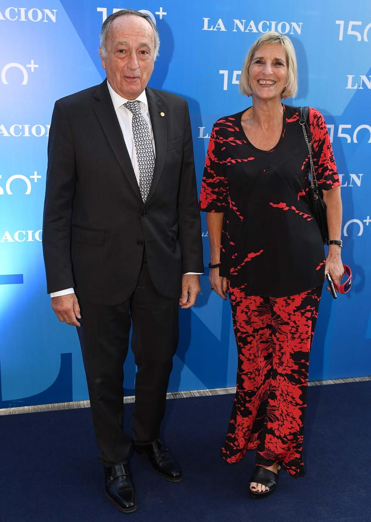 Miguel Acevedo, presidente de la Unión Industrial Argentina, y la periodista Liliana Franco