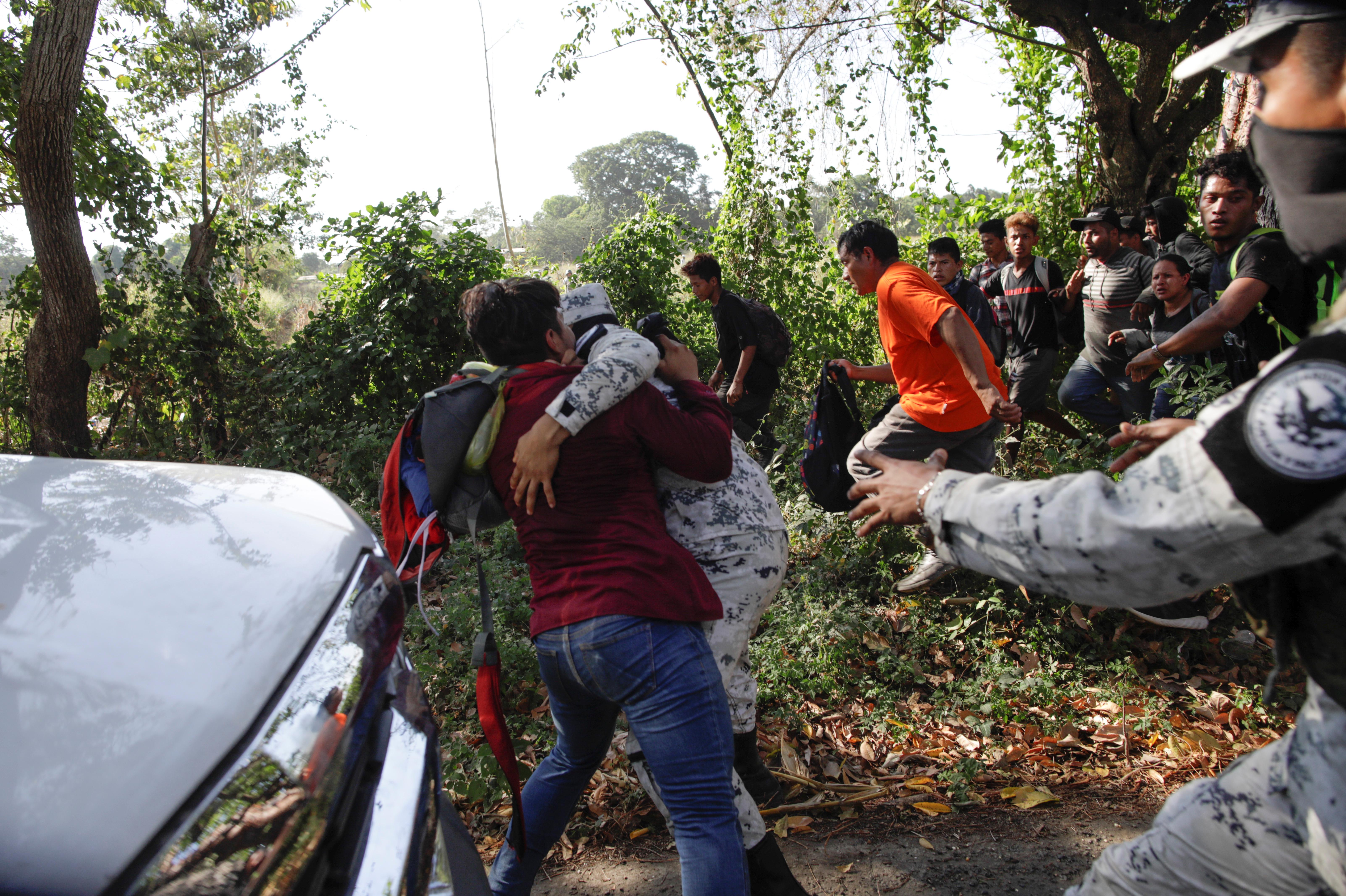 Cuando se rompió el dialogo entre los migrantes y las autoridades mexicanas, comenzaron los arrestos (Foto: Andrés Martínez Casares/Reuters)