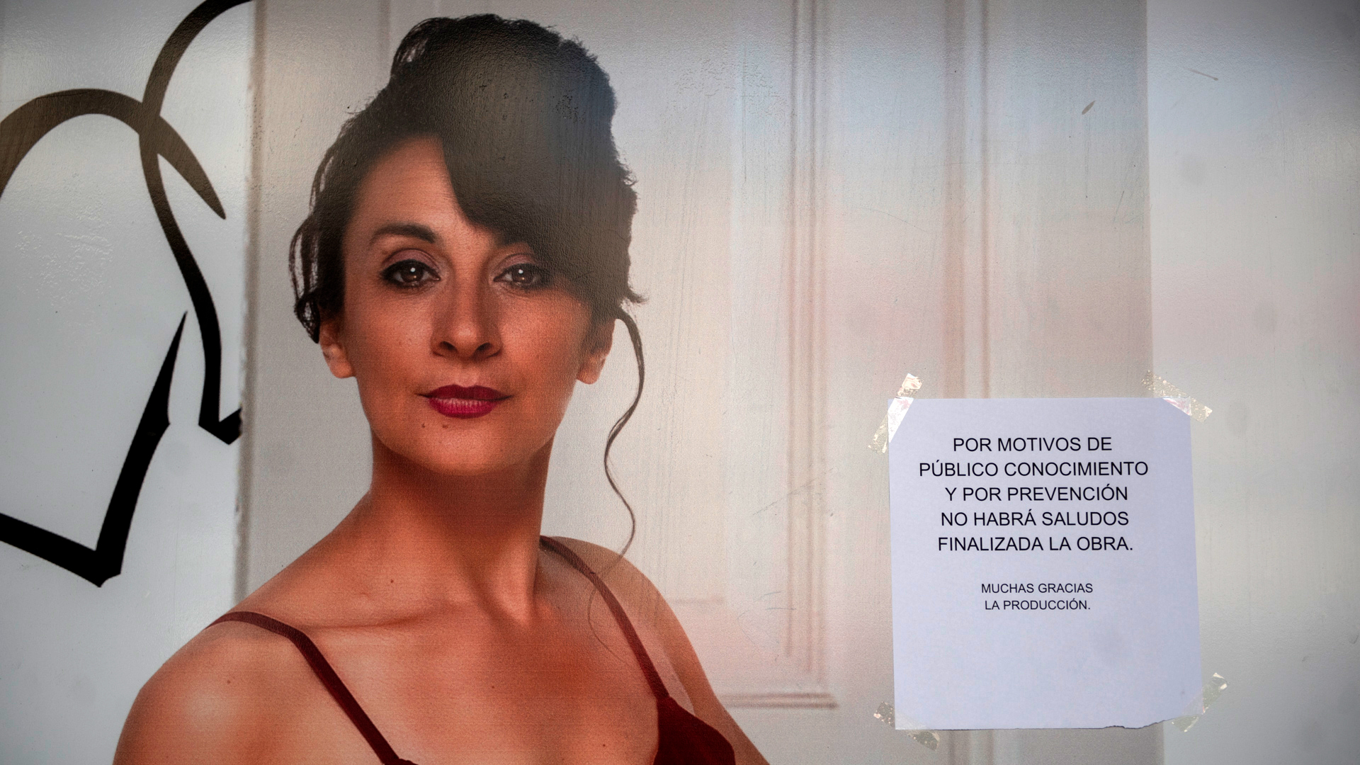 En una de las obras que hay en la ciudad de Buenos Aires anunciaron la suspensión de los saludos a los espectadores al finalizar la función