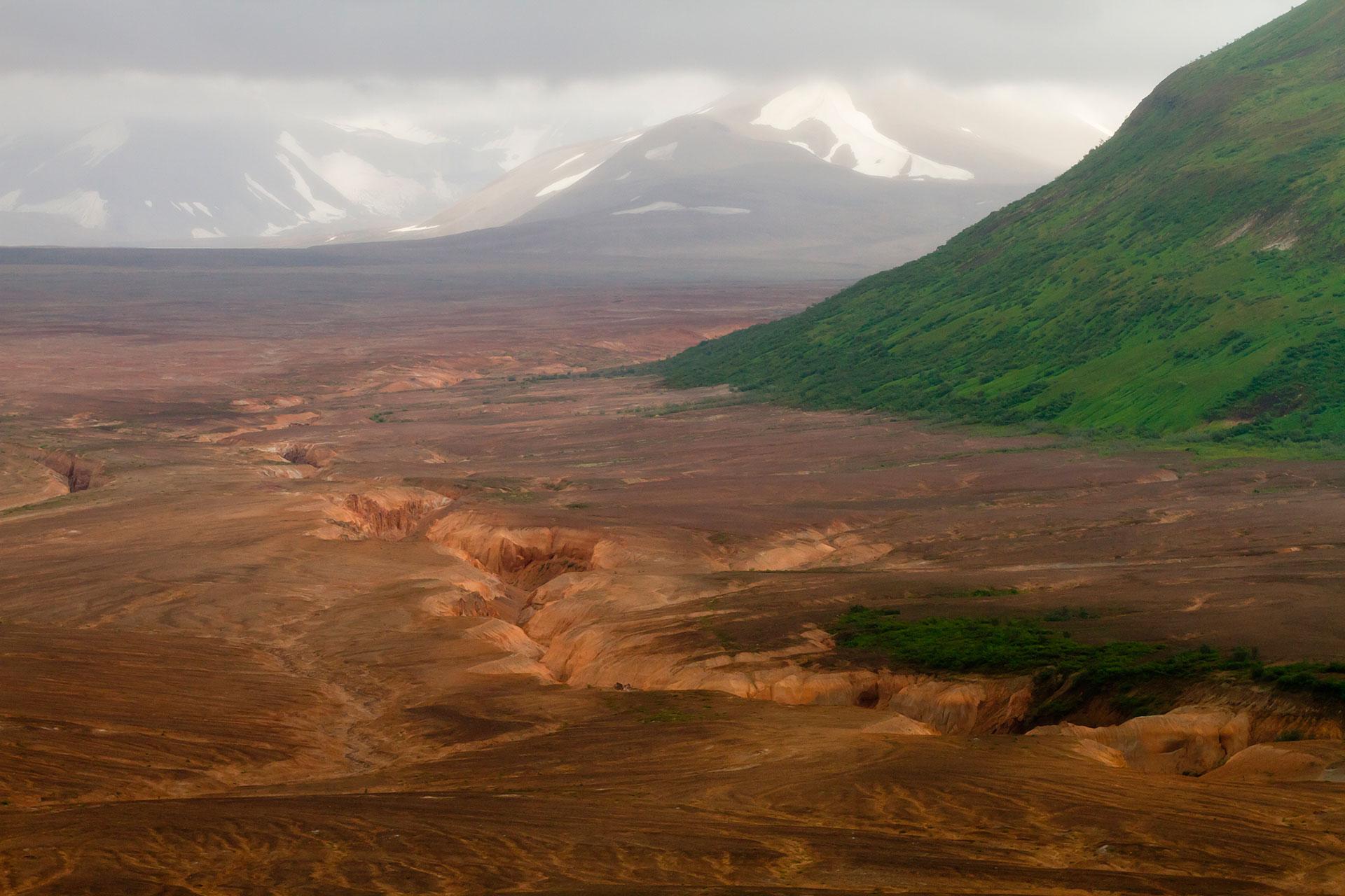 Su erupción de noviembre de 1912 fue la más grande el siglo XX. Tiene apenas una elevación de 841 metros