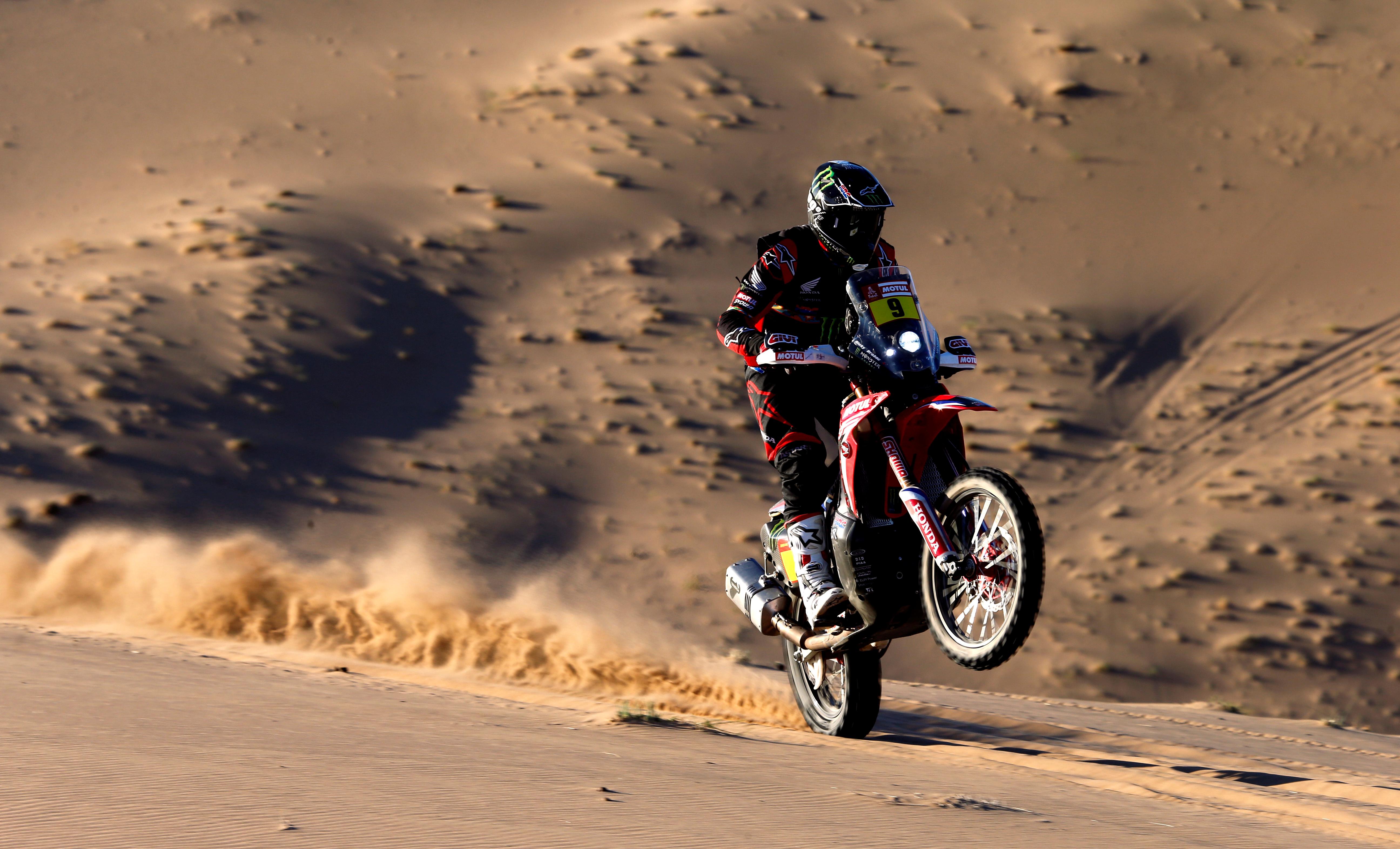 Ricky Brabec (Honda) se impuso con facilidad en la tercera etapa y se hizo con el liderato de la clasificación general en la categoría de motos