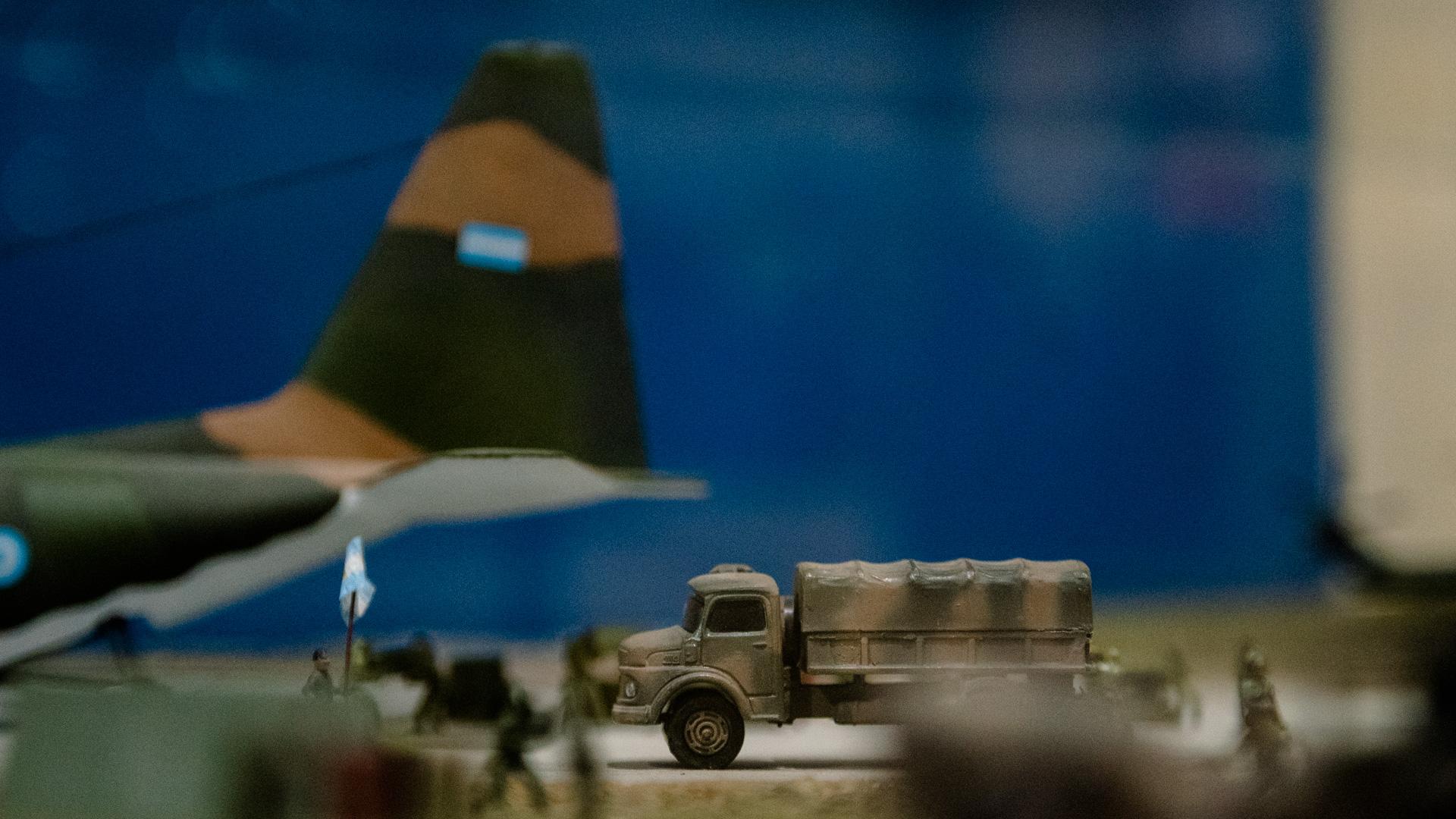 Las maquetas ilustran, a falta de imágenes, las operaciones desarrolladas por las fuerzas armadas en las batallas desarrolladas en las islas