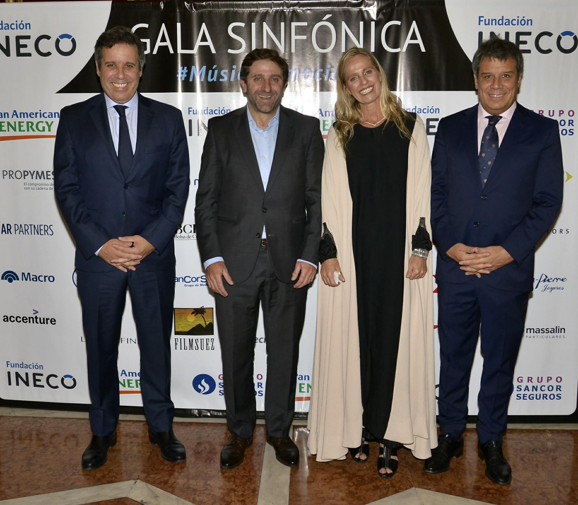 El abogado Gastón Manes, presidente del Grupo INECO, el Secretario General y de Relaciones Internacionales, Fernando Straface, junto a Teresa Torralva y Facundo Manes