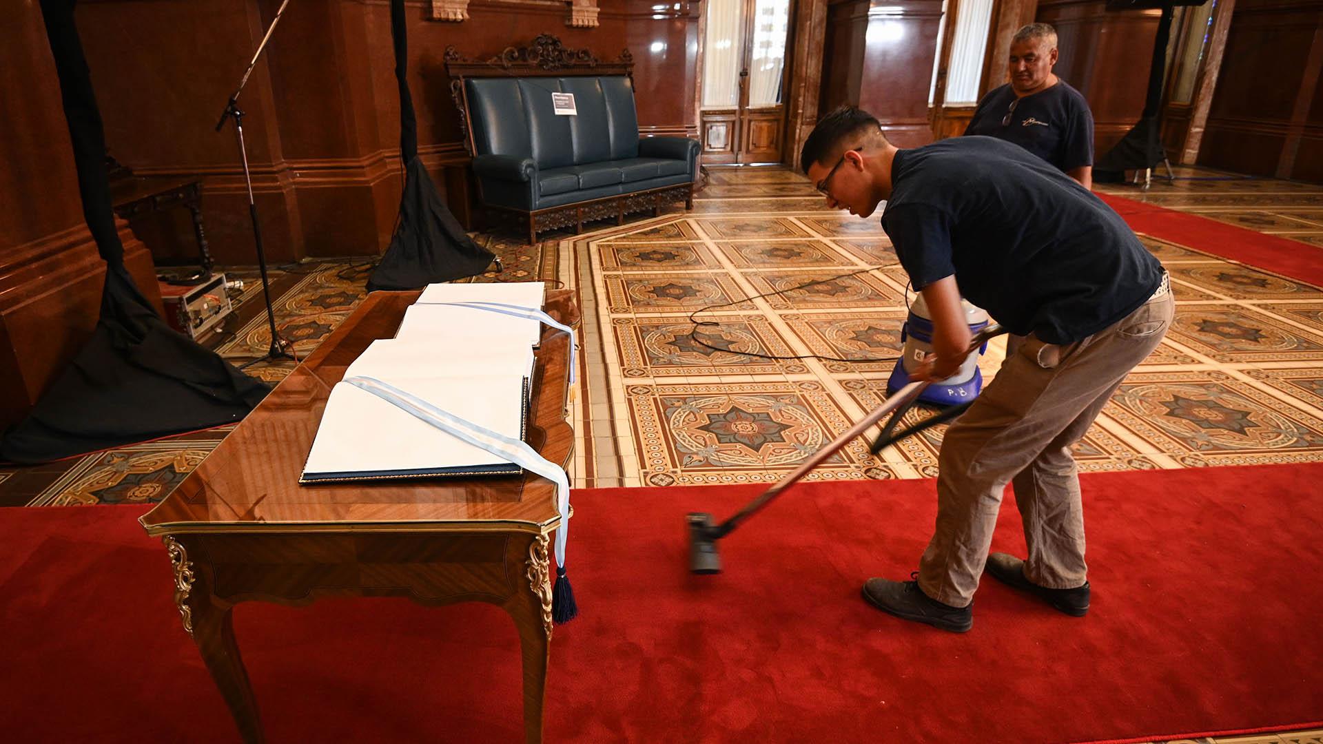 Preparativos ceremonia de asunción y traspaso de mando presidencial, en el Congreso de la Nación
