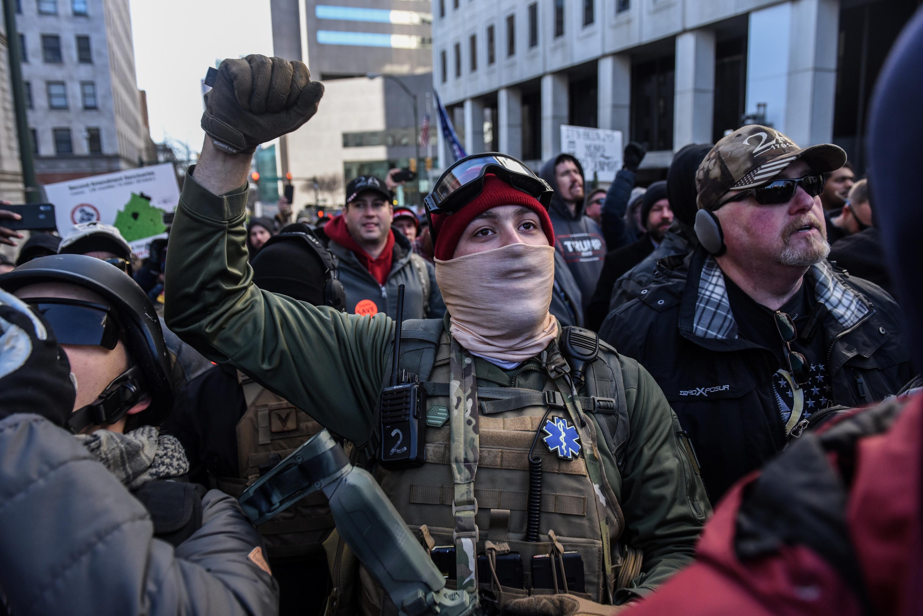 Algunos asistentes vitorean durante el evento (REUTERS/Stephanie Keith)