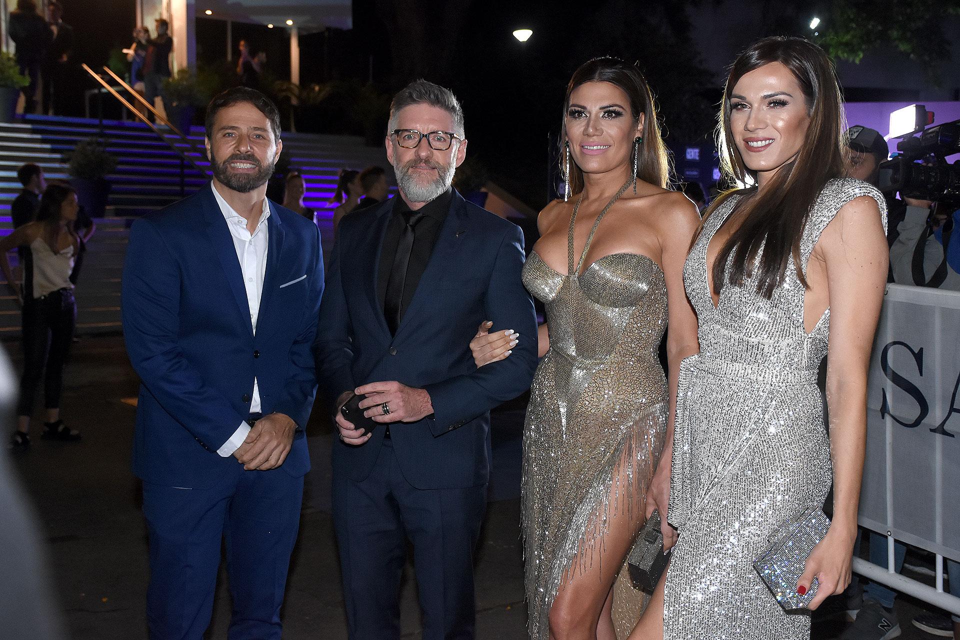 Luis Novaresio junto a su pareja Braulio Bauab, Flor de la Ve y Mariana Genesio Peña