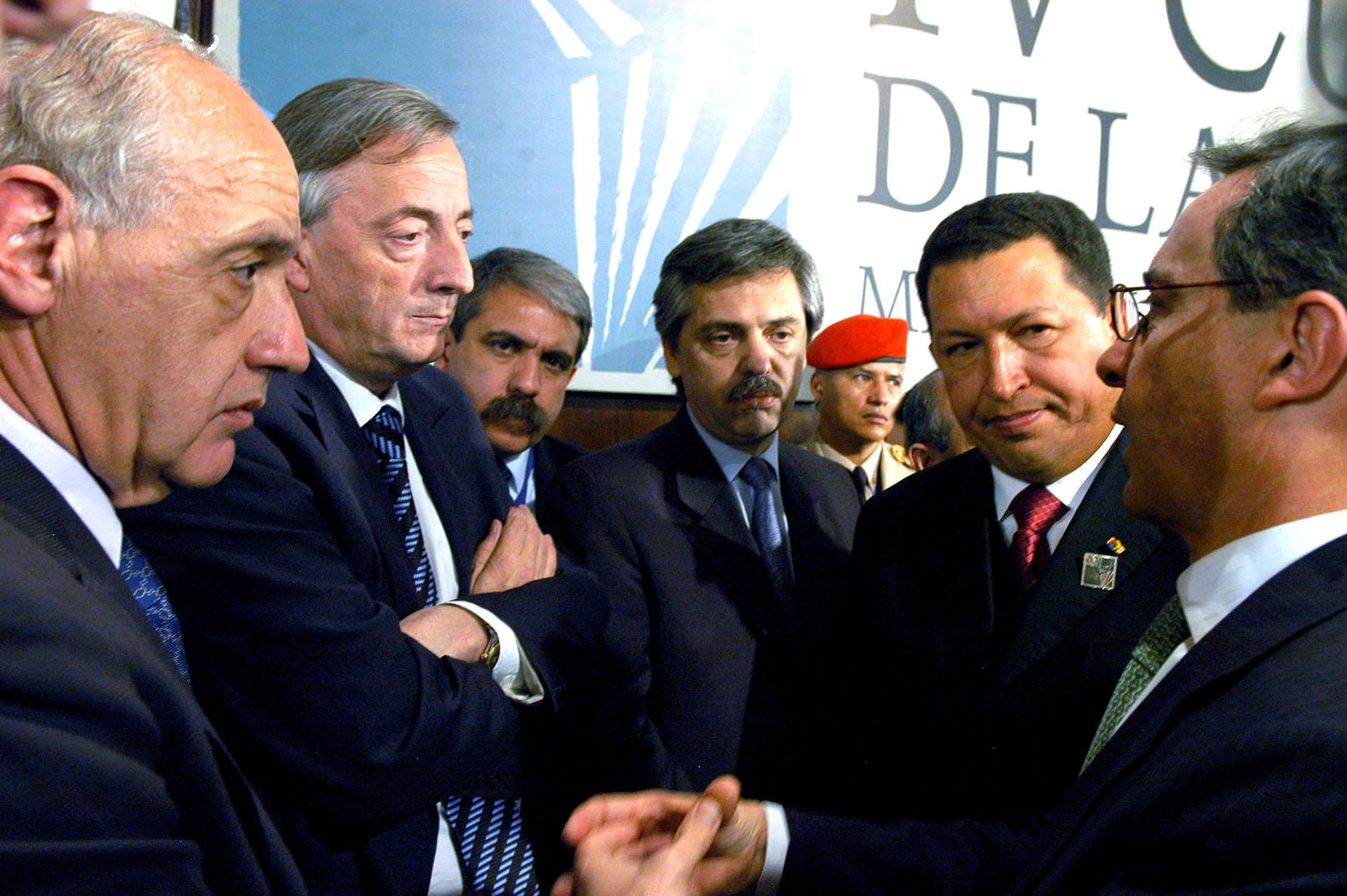 En noviembre de 2007, con Néstor Kirchner y el entonces presidente venezolano en la visita que hizo a la Argentina por la Cumbre del ALCA en Mar del Plata.