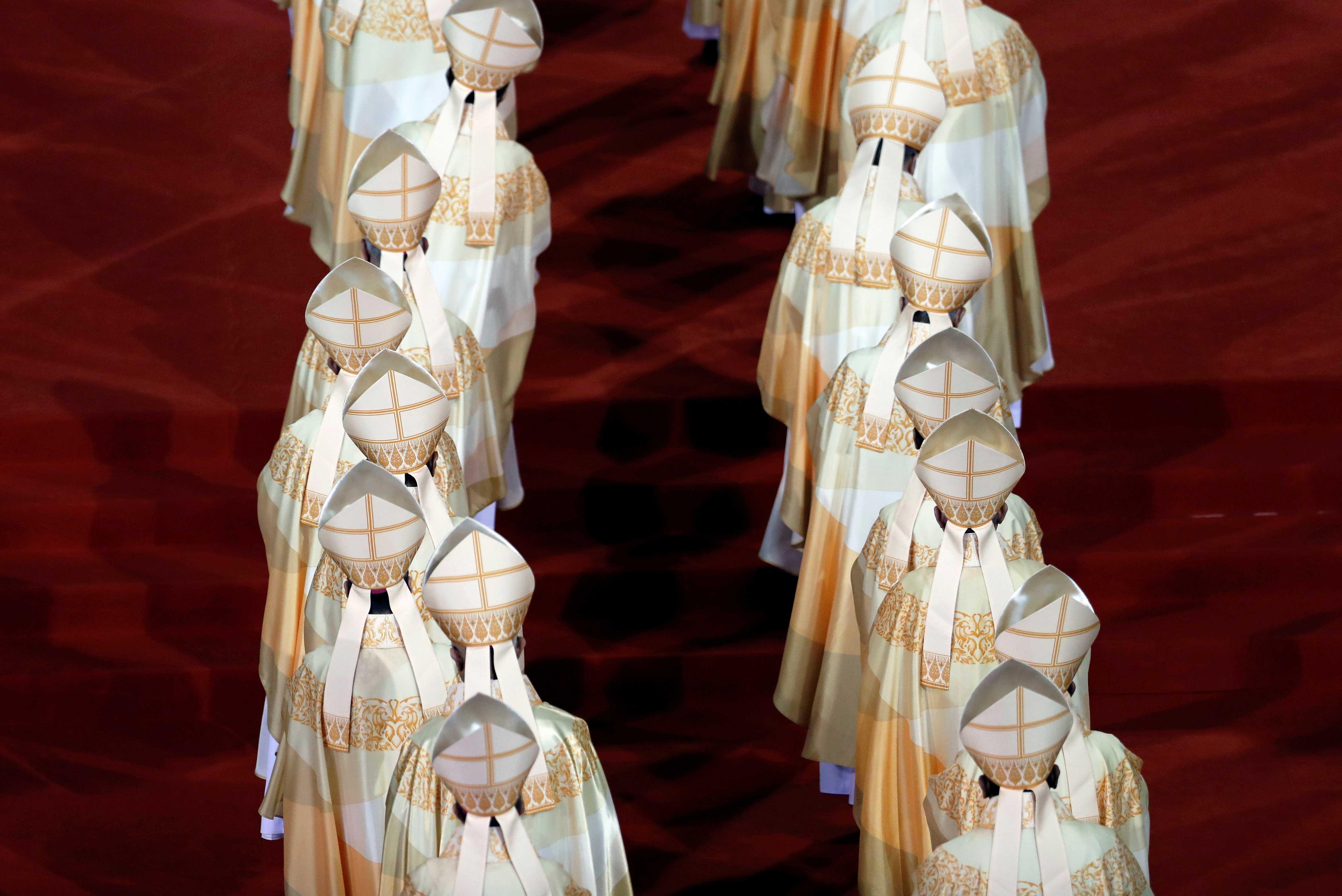 Tailandia tiene alrededor de 300.000 monjes en 40.000 templos. Evangelizados por misioneros jesuitas a mediados del siglo XVI, los 400.000 católicos son ultra minoritarios. (REUTERS)