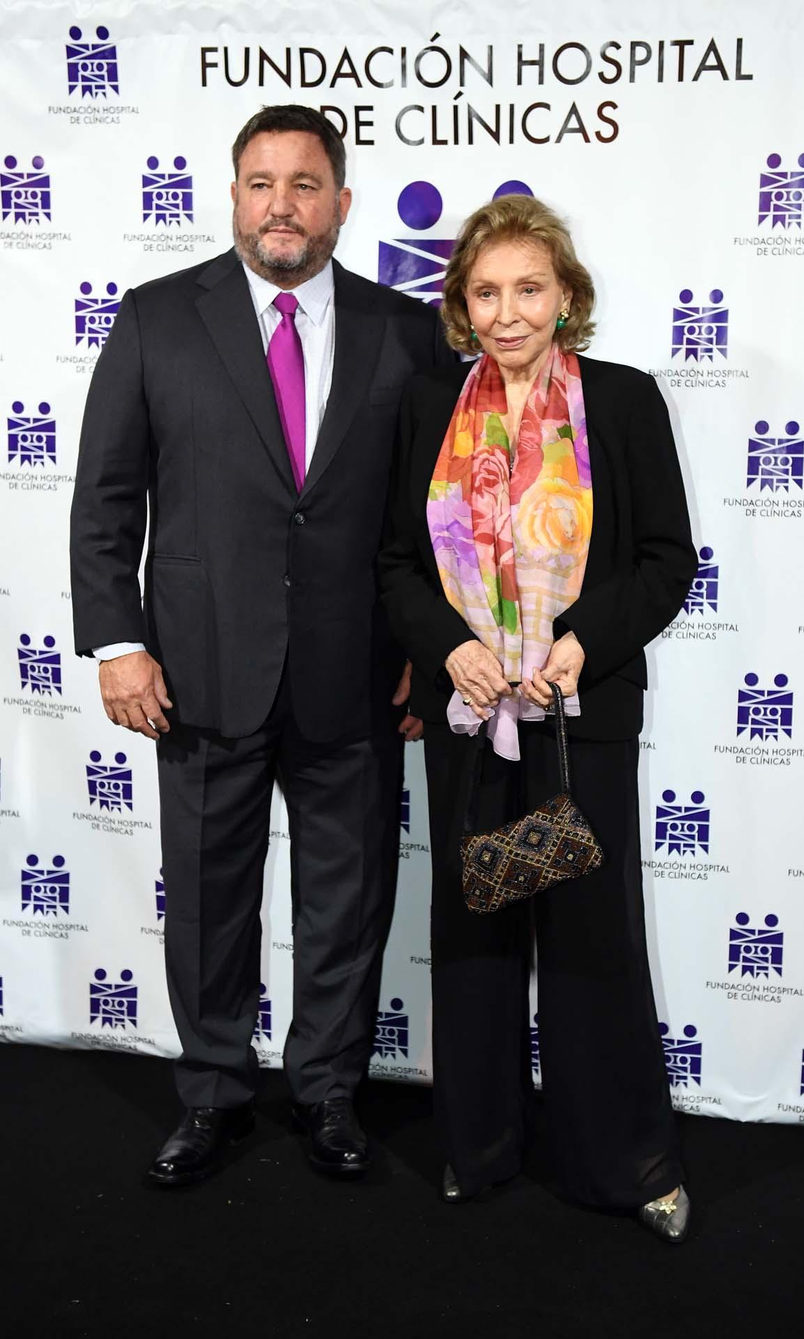 Alejandro Macfarlane y Mercedes Von Dietrichstein de Zemborain, presidenta honoraria de la Fundación